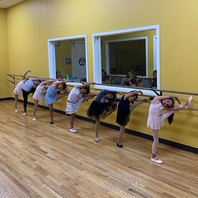 Sign up today for 50% off registration! 🥳  Call, check our website, or stop by to find the best ballet classes for your little ones! 💝 #aadgmadera #ballet #madera #dance #discount #stretch