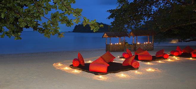 Andaman-Langkawi-Langkawi-Honeymoon-beach-dining.jpg