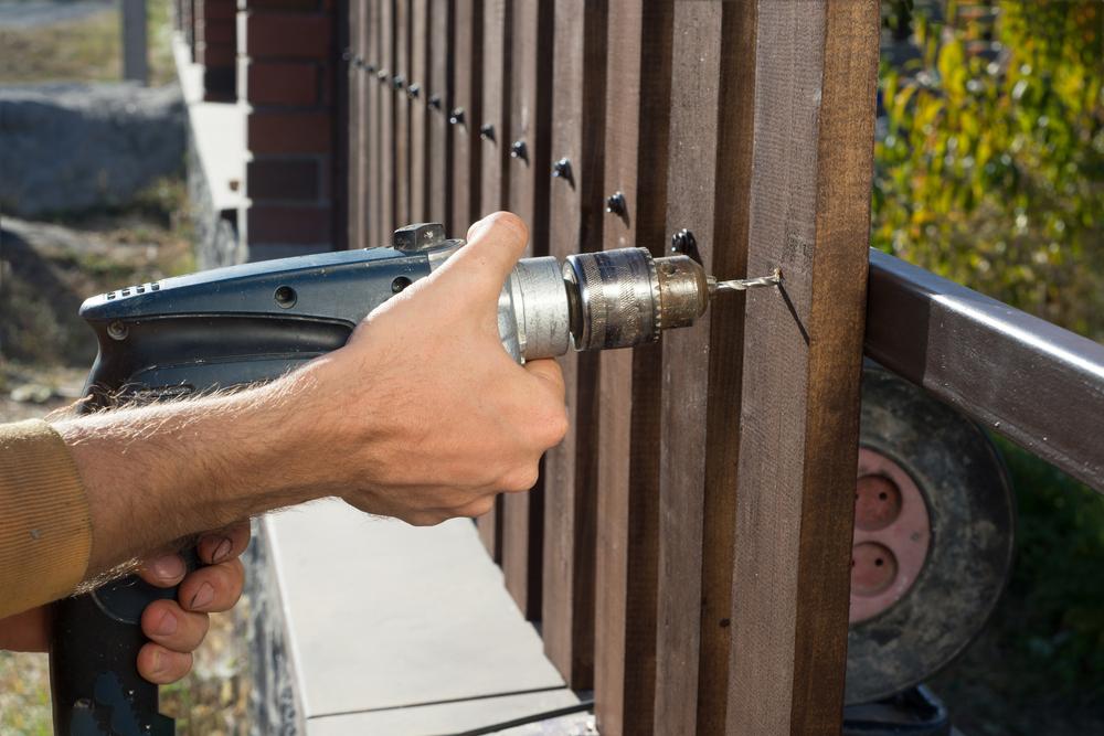 fence installation.jpg