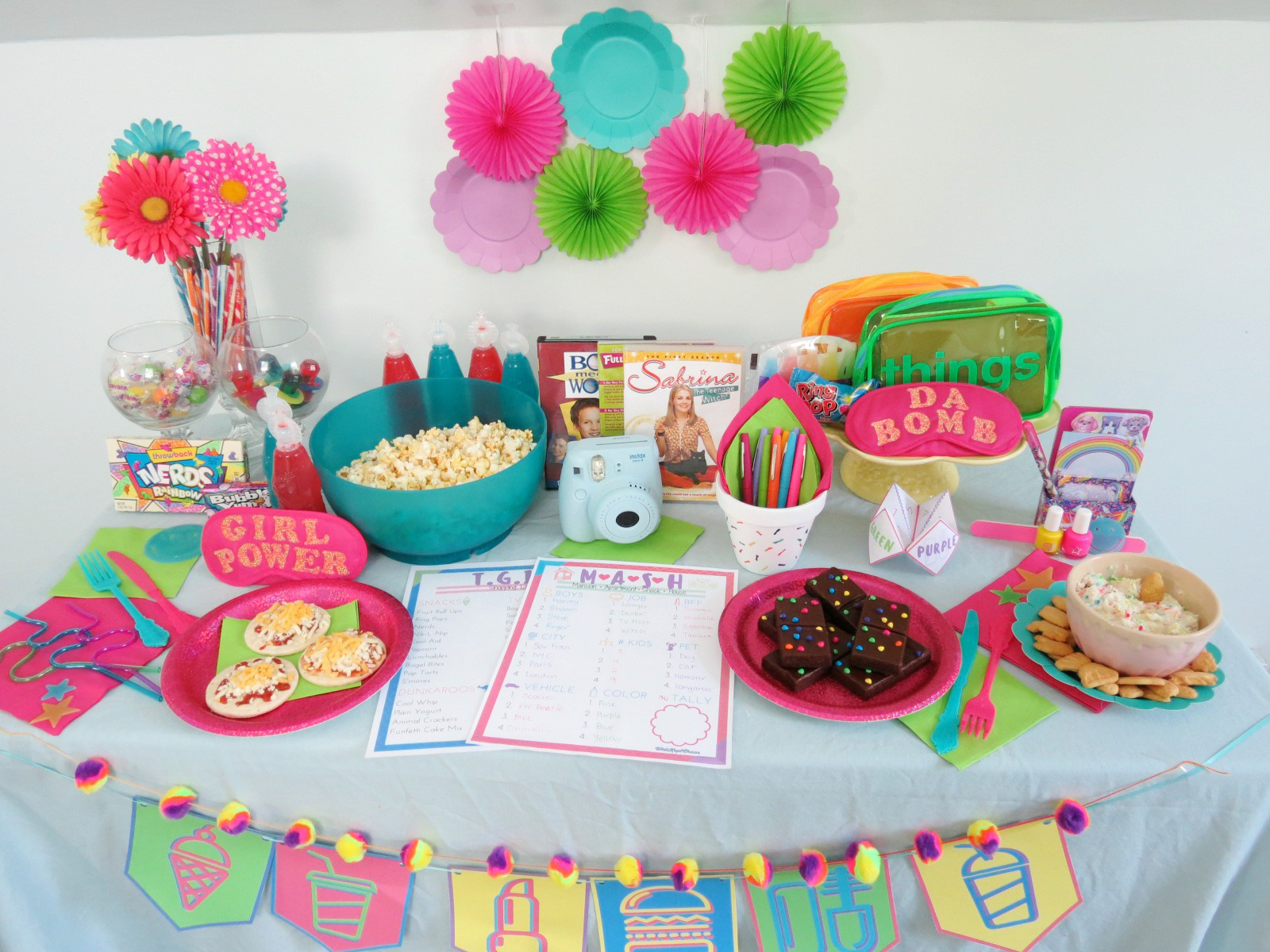 TGIF, AMIRITE GUYS?! WANT TO HOST YOUR OWN TGIF 90'S THEMED SLUMBER PARTY? CLICK FOR MORE PHOTOS, A SHOPPING LIST, AND FREE PRINTABLES!