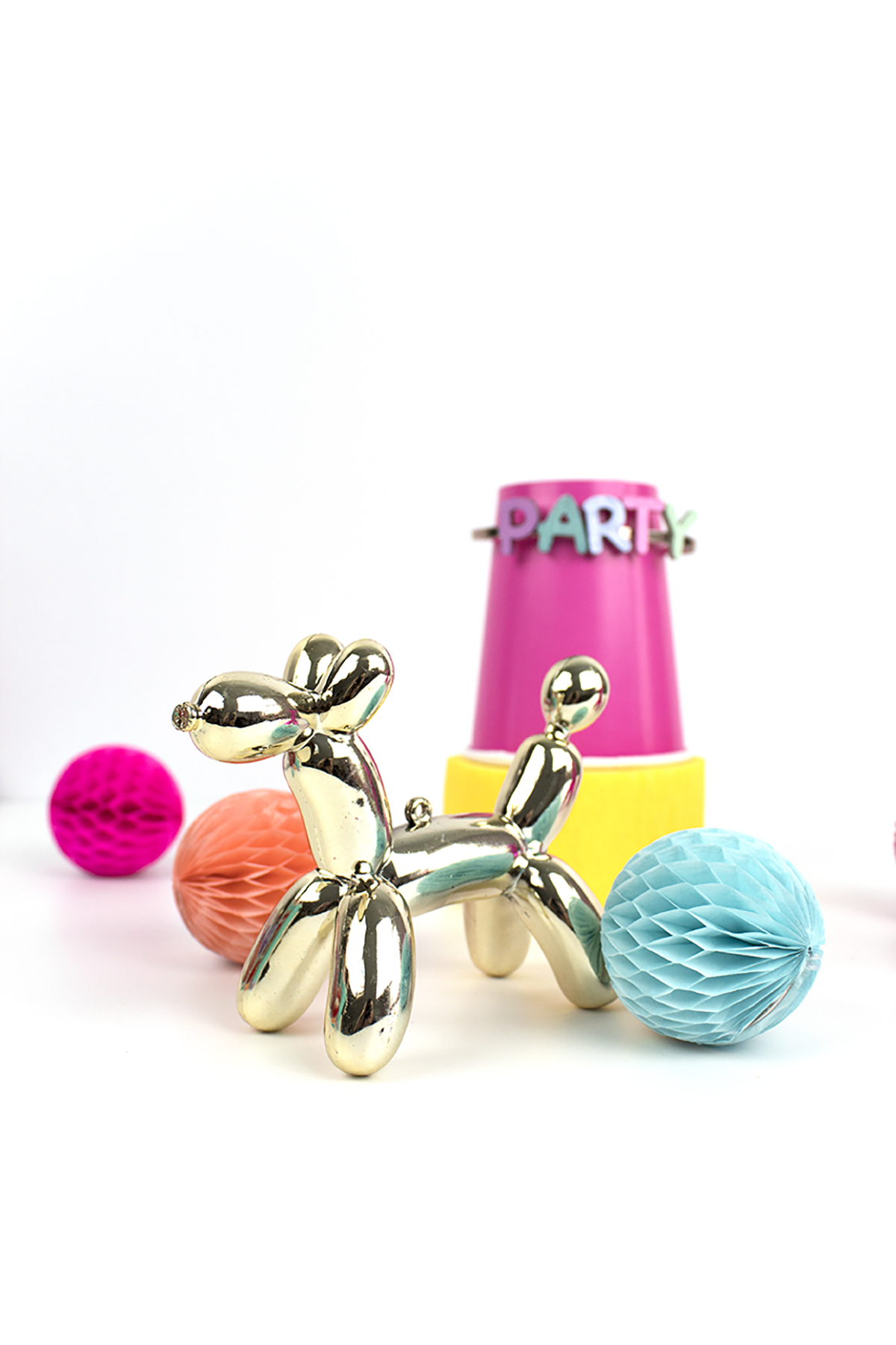Super affordable bracelet inspired by Kate Spade's Whimsies balloon collection! Click for the full tutorial.