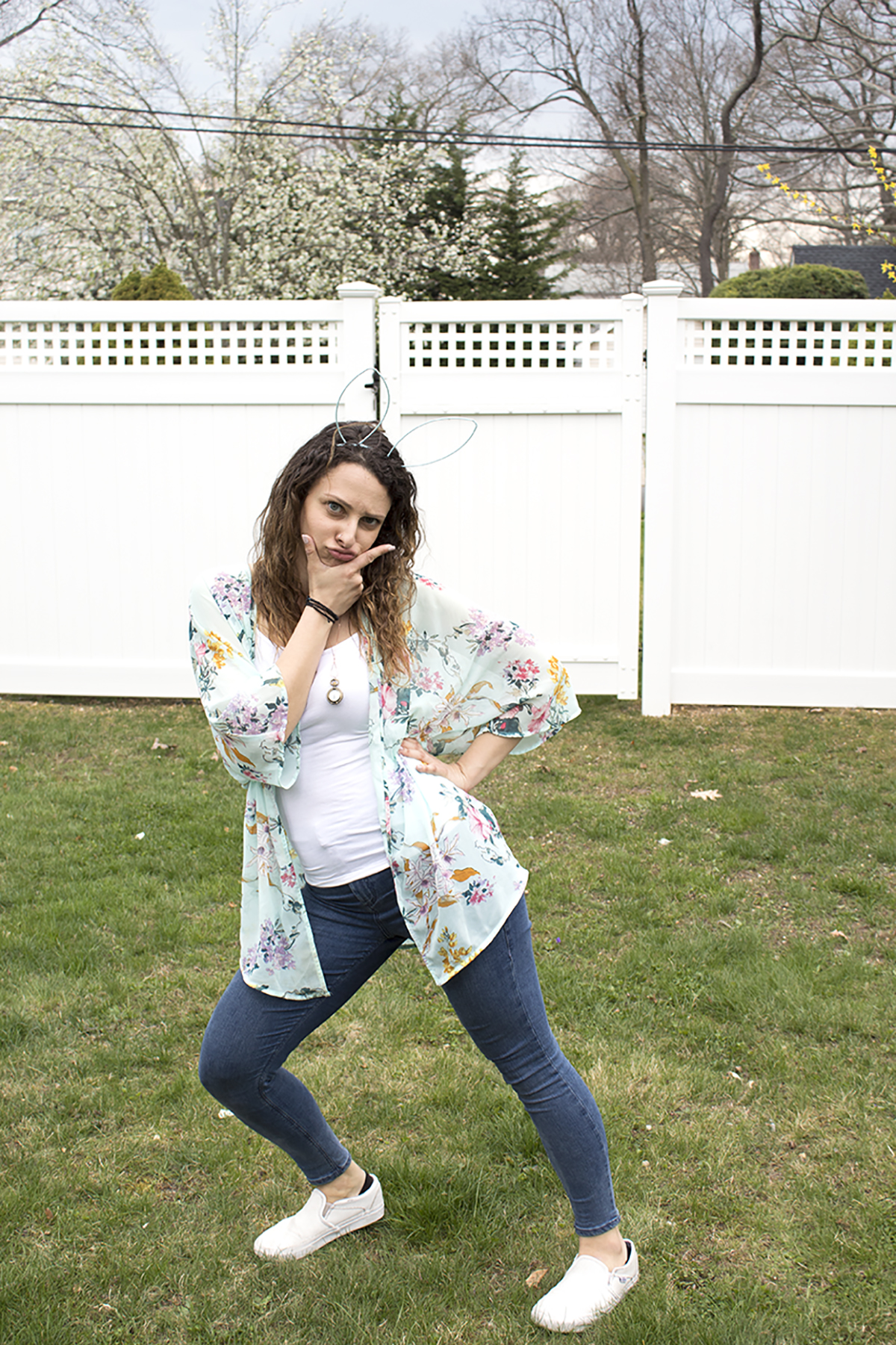 Dressing cute for spring doesn't have to mean being uncomfortable! We're sharing our tips for finding your new spring look, including colorful clothes, trying new trends, and, most importantly, shoes! Click for the full post.