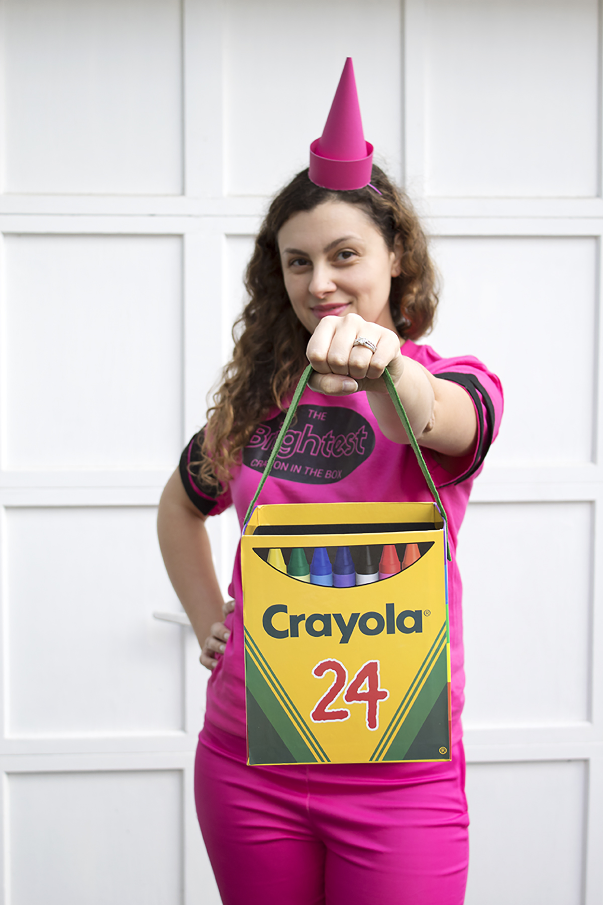 Why be an ordinary crayon when you can be the BRIGHTEST crayon in the box?! Check out this DIY costume project, and download the free printable so that you can be the brightest crayon too! Click for the full DIY.  #crayoncostume #lastminutecostume #groupcostume #diycostume