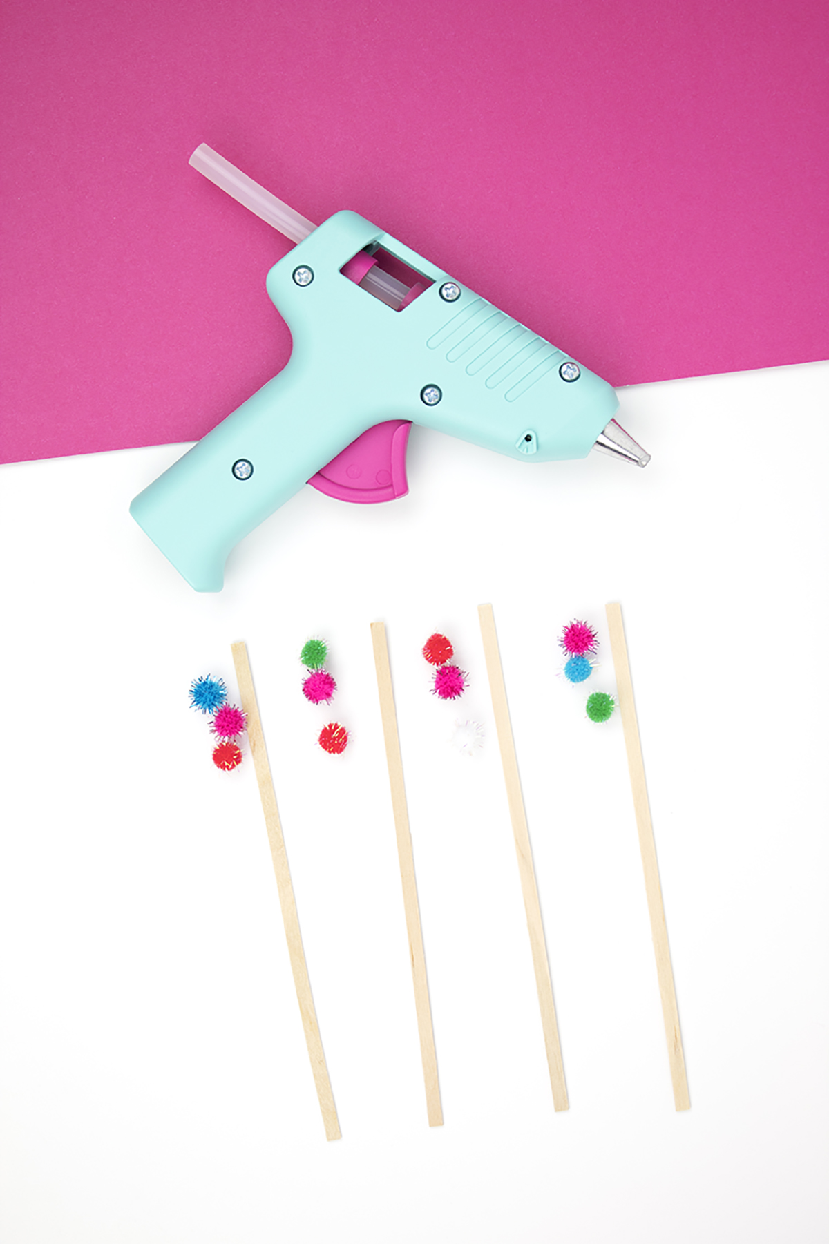 Want to get into the Ho-Ho-Holiday spirit? Grab these drink stirrers for your Christmas spirits (hah, see what I did there?!) They're really easy to make for your Christmas party or cookie exchange. Click to make your own right now! #drinkstirrers #drinkstirrersdiy #christmascrafts