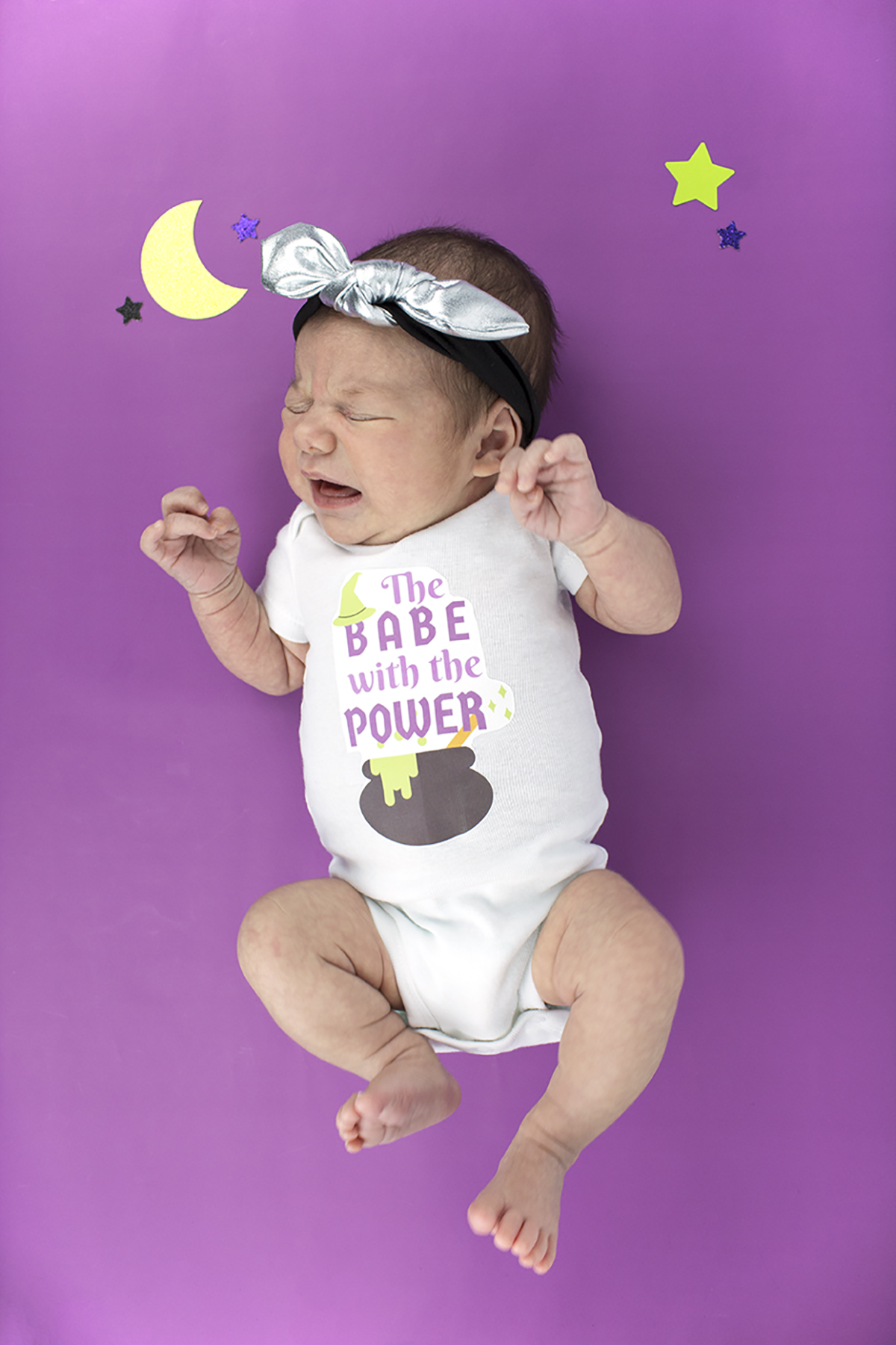 If you're a fellow newborn momma like me, or even just have kids, you may be looking for something super easy to get into the spooky season like I am. Lucky for you, these onesies are SO easy to make. Click for the DIY & free printable!