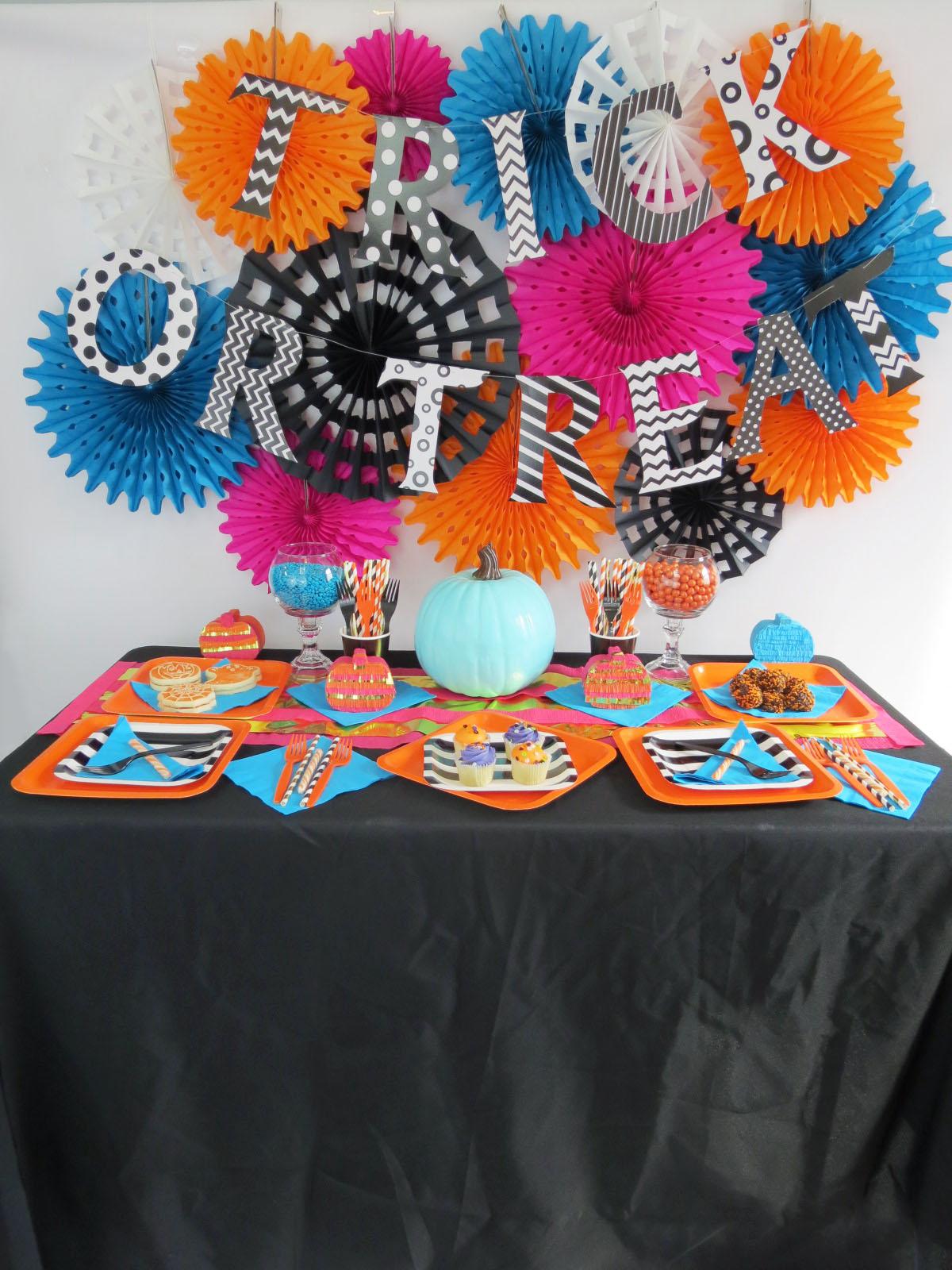 halloween party full table2.jpg