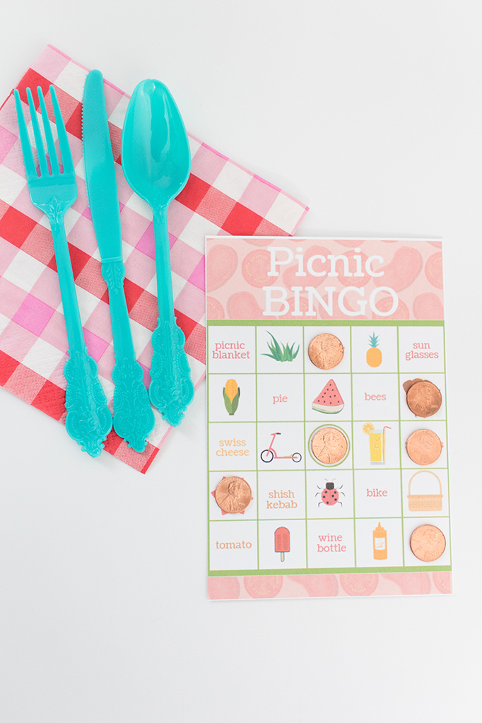 Looking for a fun activity to play during your family picnics? How about this fun (and FREE!) printable picnic bingo cards?! Click to get yours today. #freeprintable #picnic #summerfun