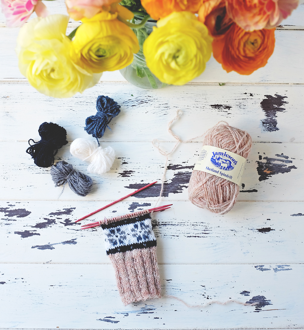 Lady by the Bay - Small Flower Mitts