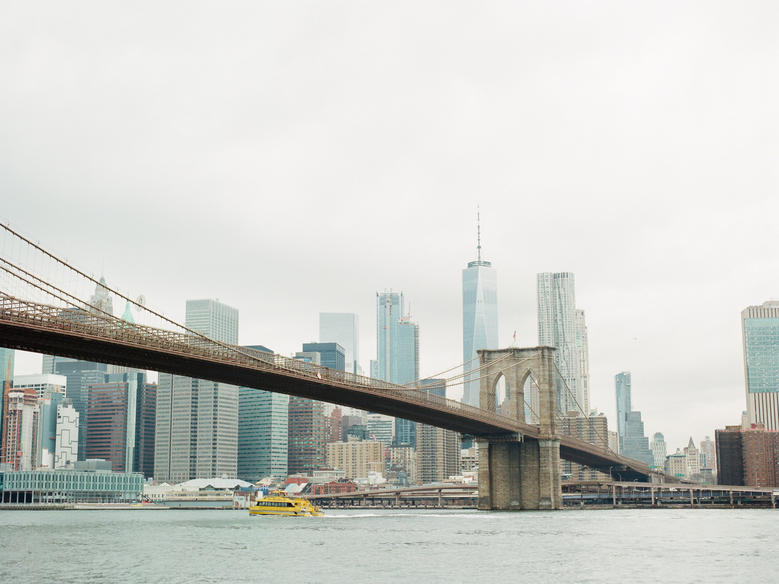 brooklyn-dumbo-new-york-engagement-photos-pictures-08.jpg