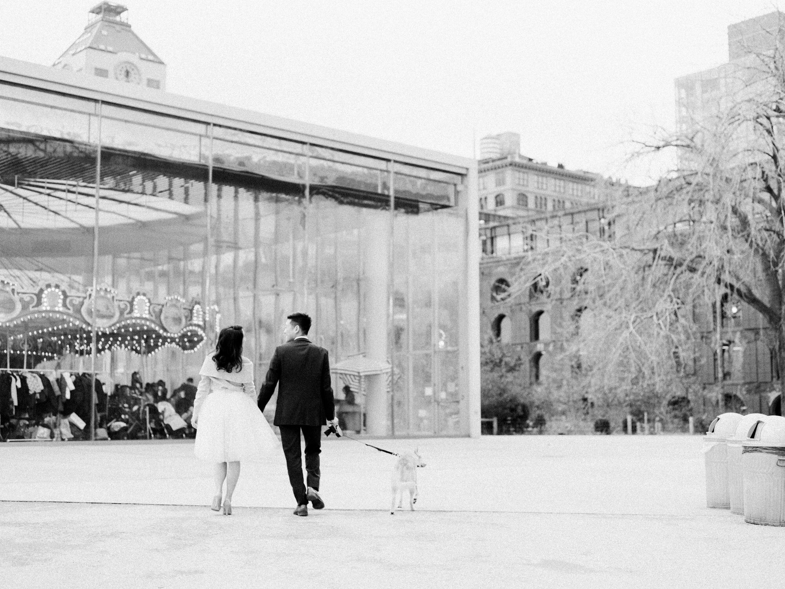 brooklyn-dumbo-new-york-engagement-photos-pictures-24.jpg