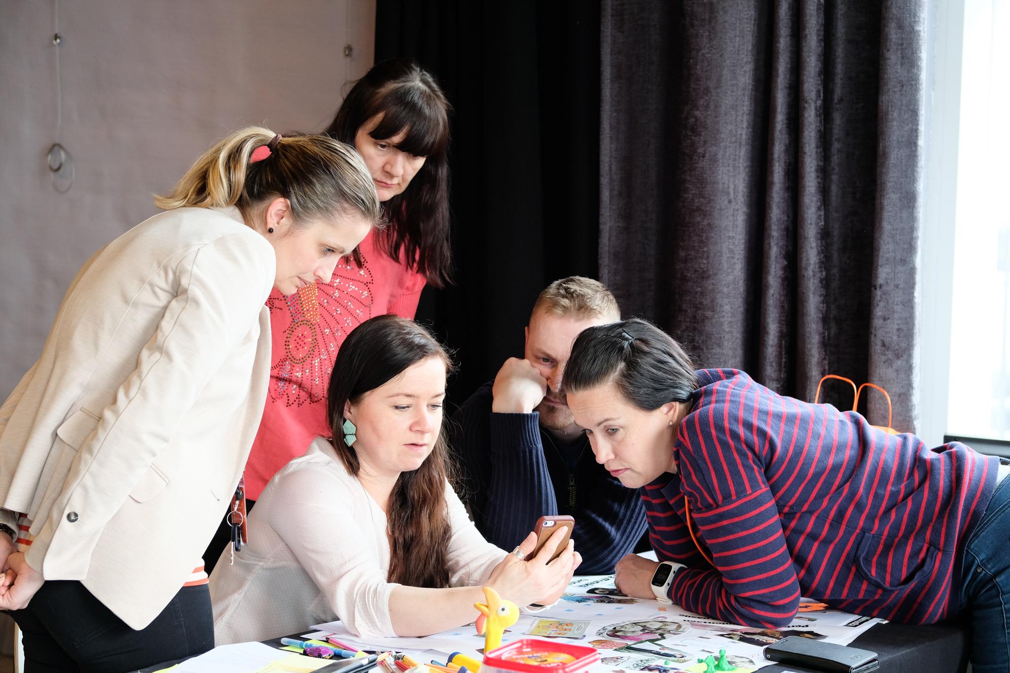 Koulutuksessa tehdään palvelumuotoilua pienryhmissä