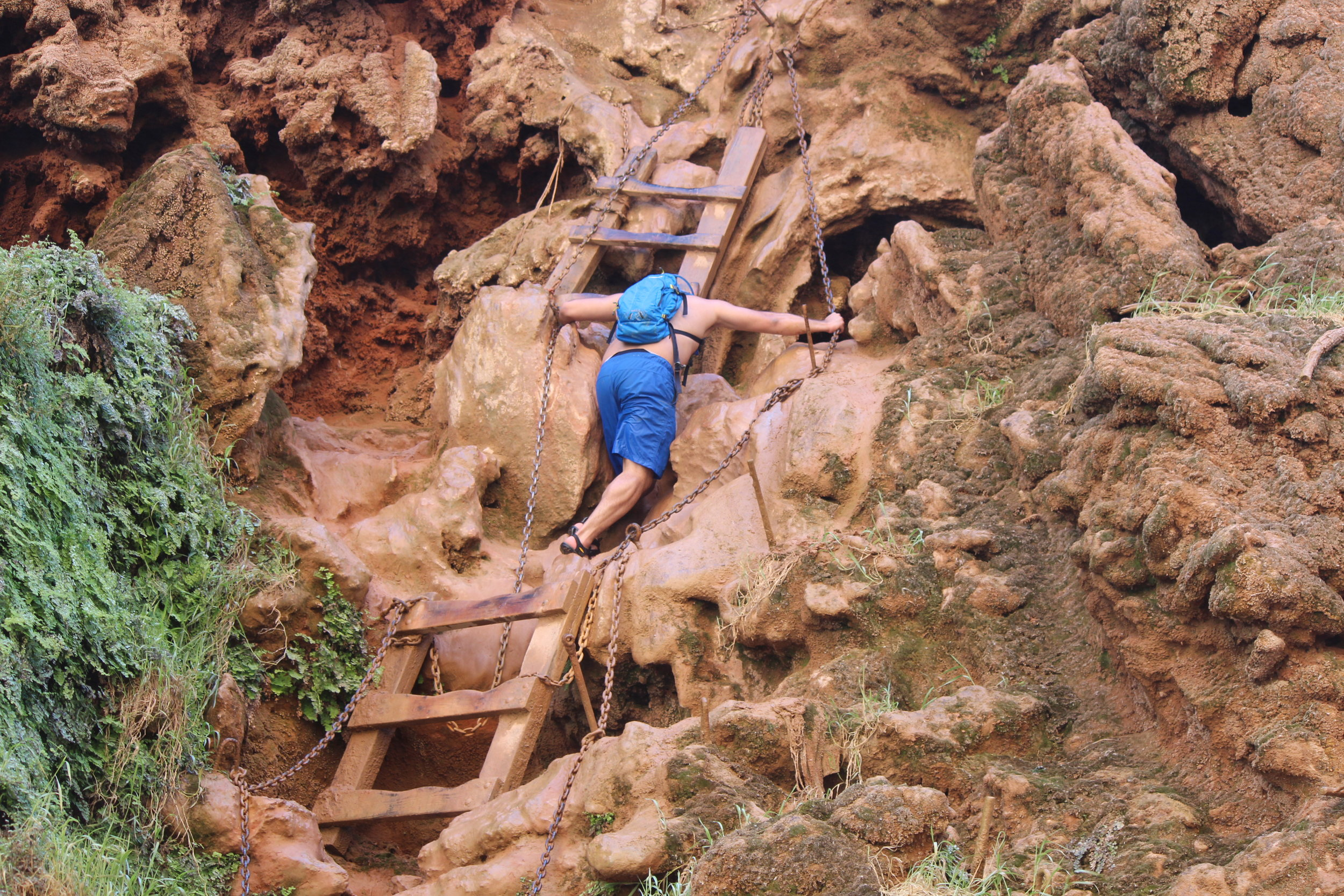 Ladder and Chains to Mooney Falls