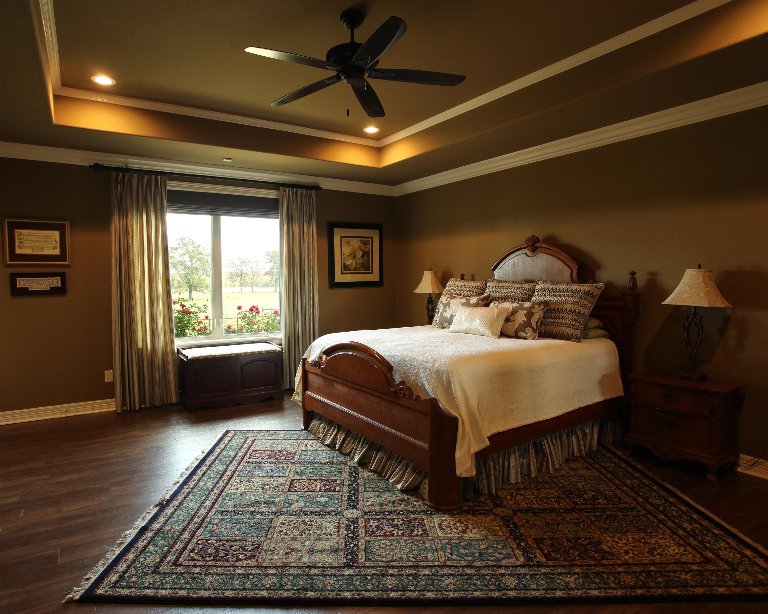 jillornelas.com/master-bedroom.jpg