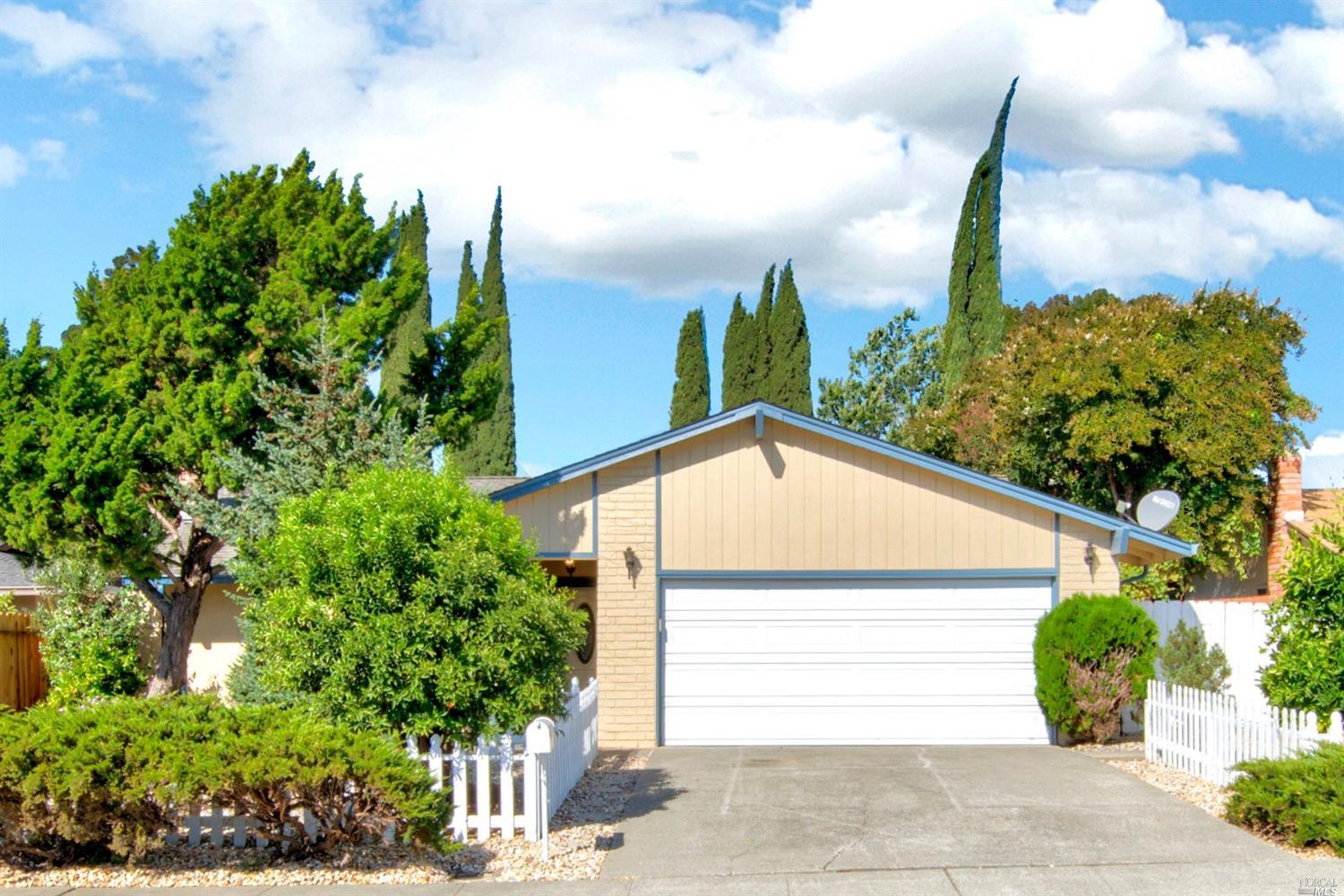 112 Edwin Dr., Vacaville*
