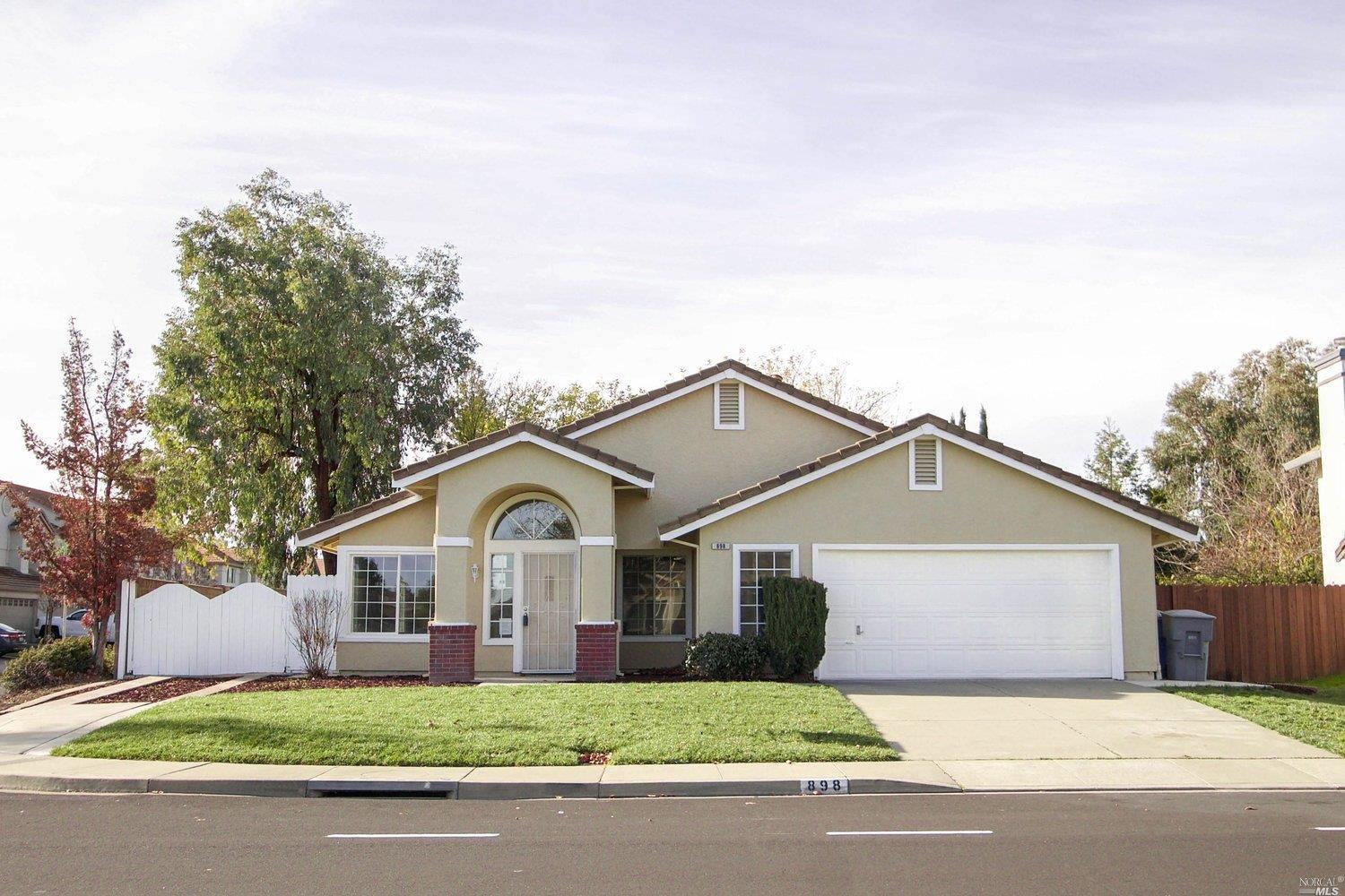 898 Christine Dr., Vacaville*