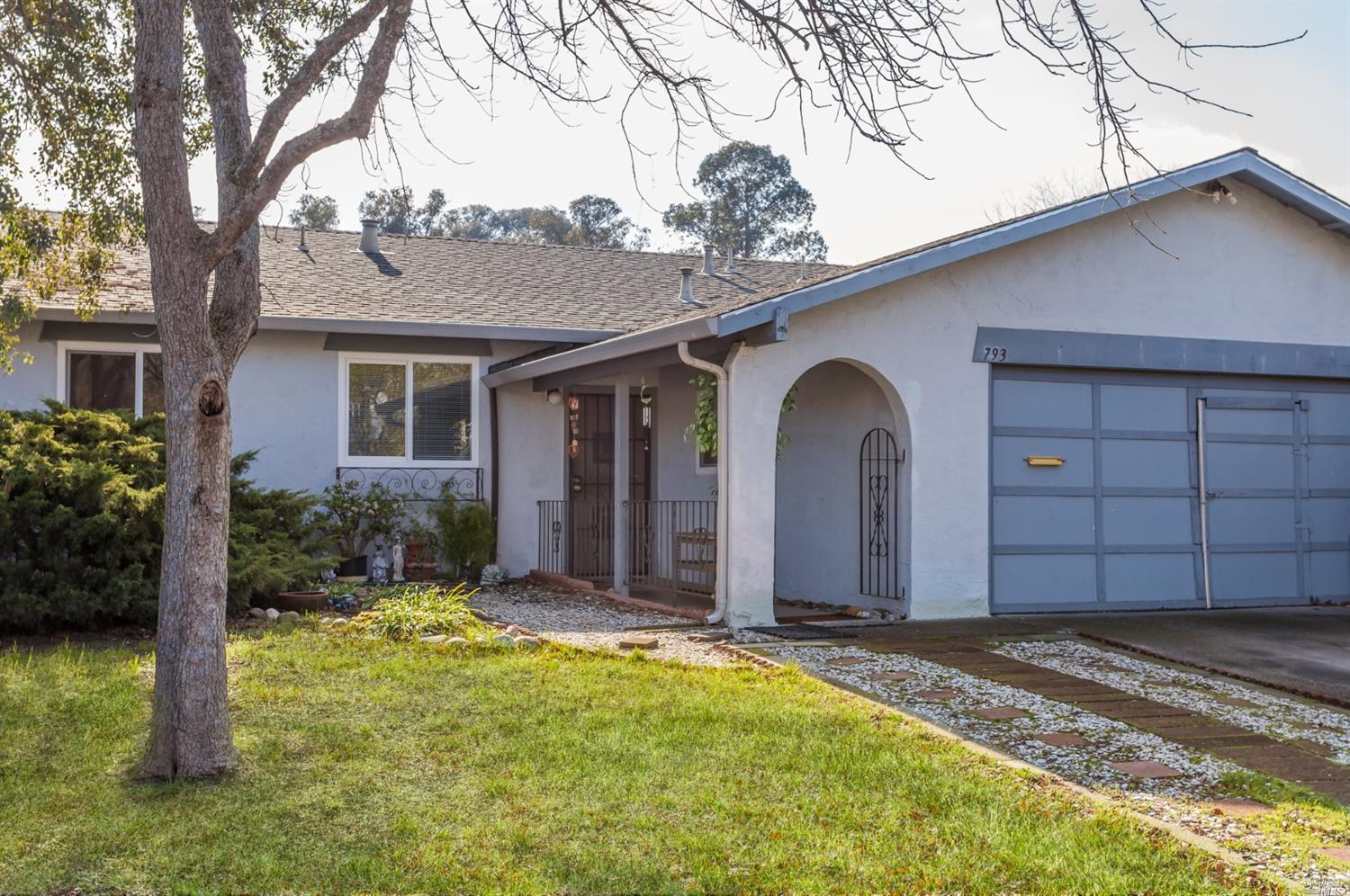 793 Goldcoast Dr  | Sold 2/28/19 at $330,000