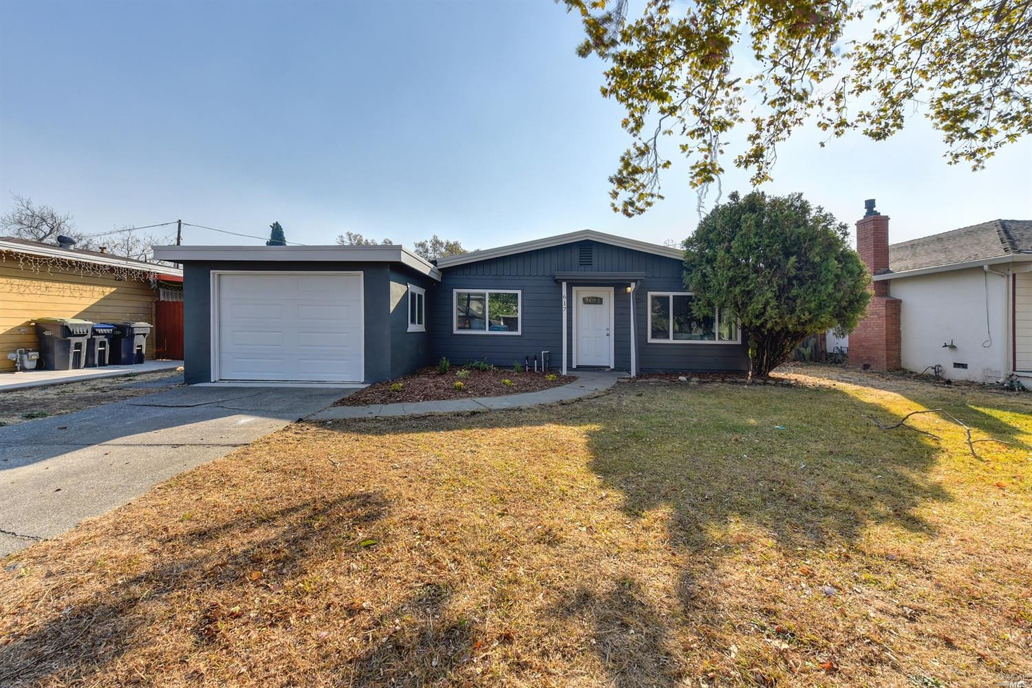 617 Oregon St  | Sold 2/22/19 at $326,000