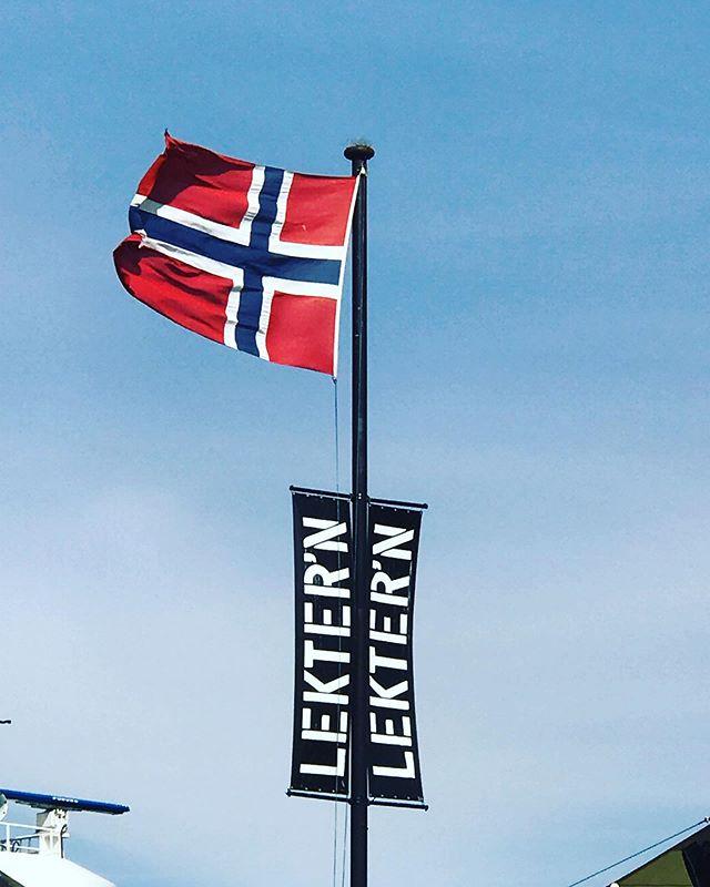 Gratulerer med dagen, Norge! 🇳🇴☀️#17mai  #sun #nasjonaldag #hurra