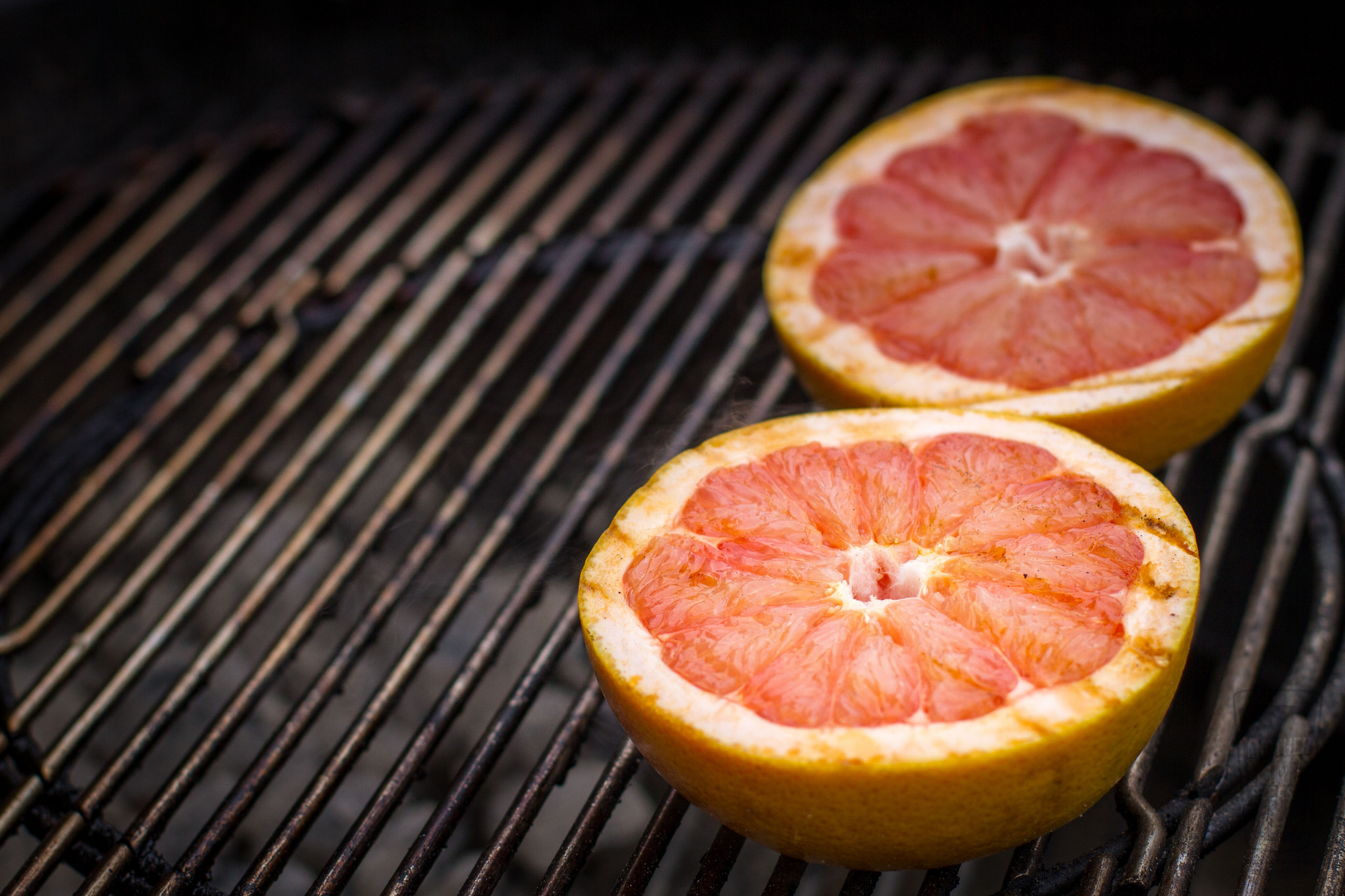 grilled grapefruit on grate.jpg