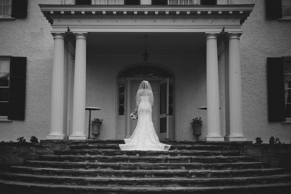 samantha bridal portraits rust manor house-19.jpg
