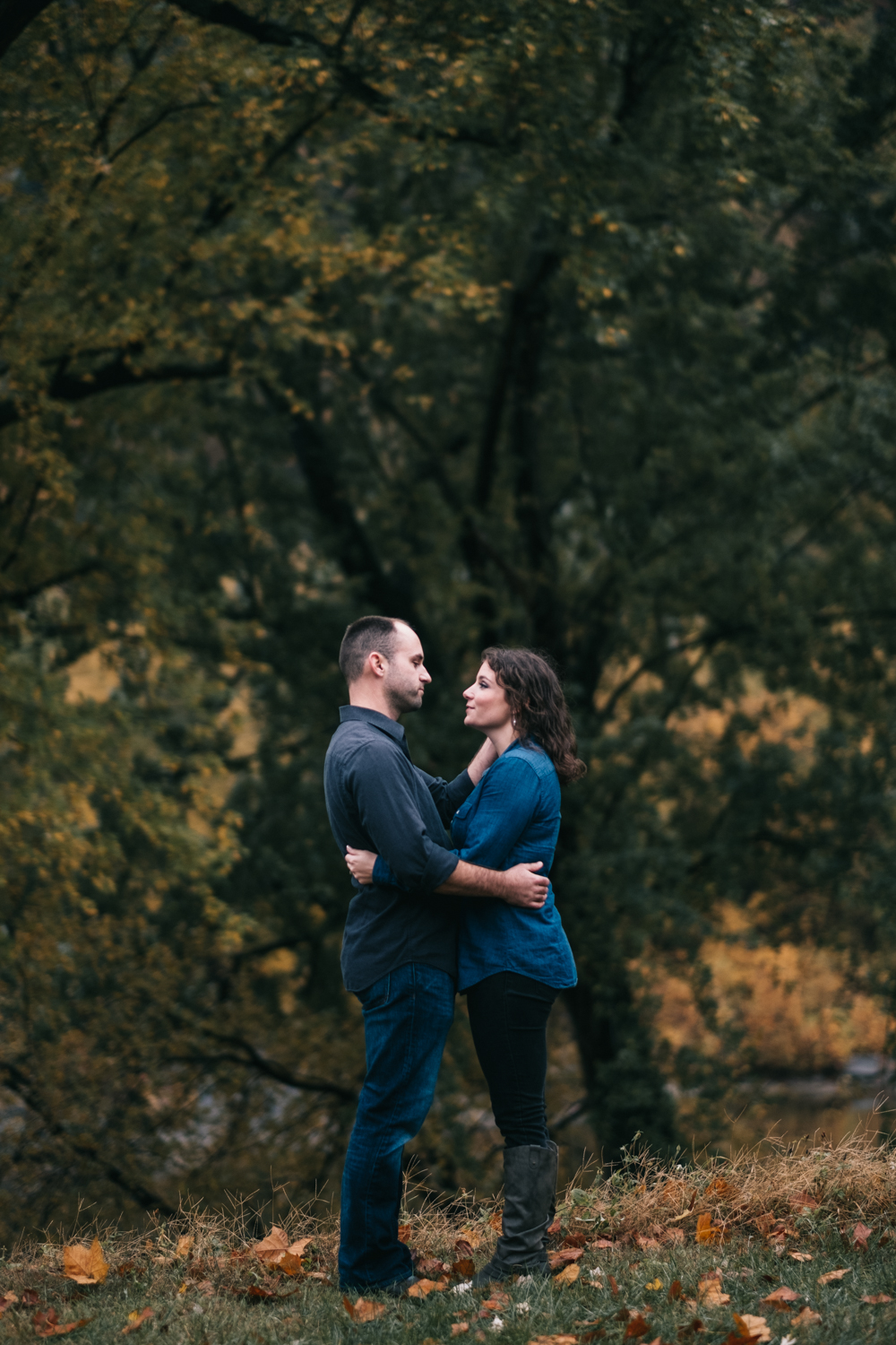 harpers ferry hiking mountain engagement session-5.jpg