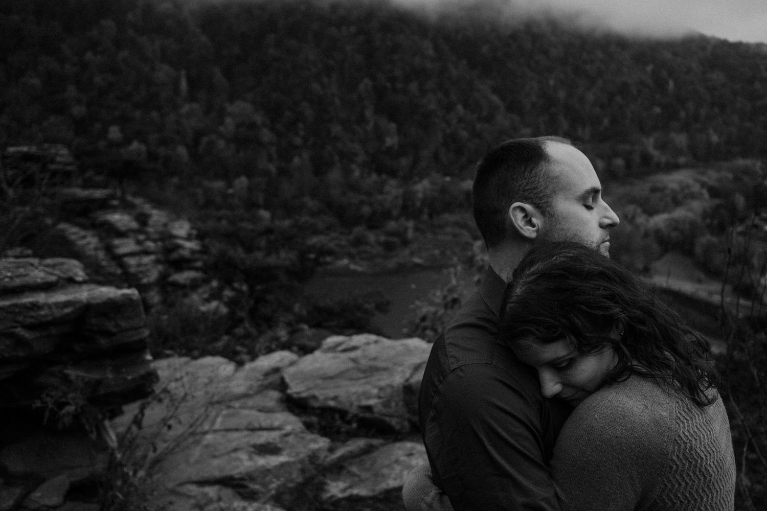 harpers ferry hiking mountain engagement session-21.jpg