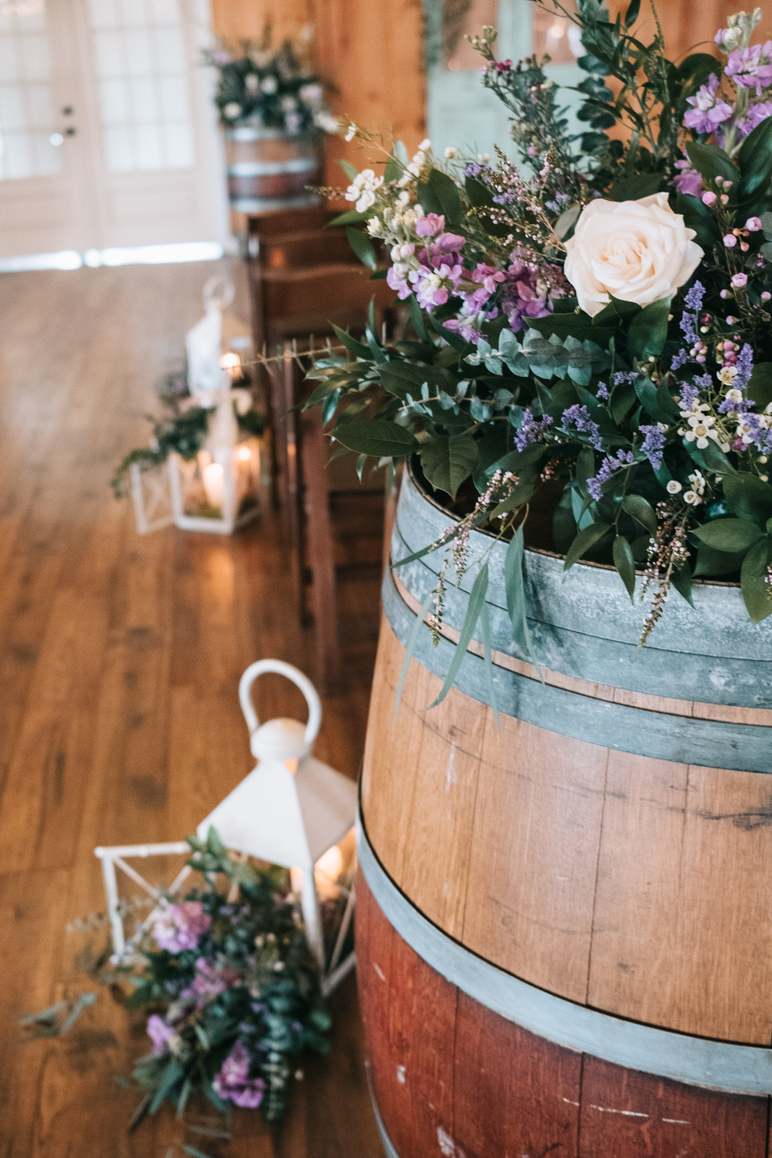 shadowcreek indoor wedding flowers by dragonfly events