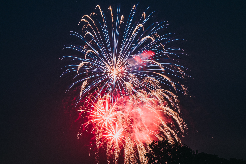 Leesburg VA Ida Lee Fireworks-1.jpg