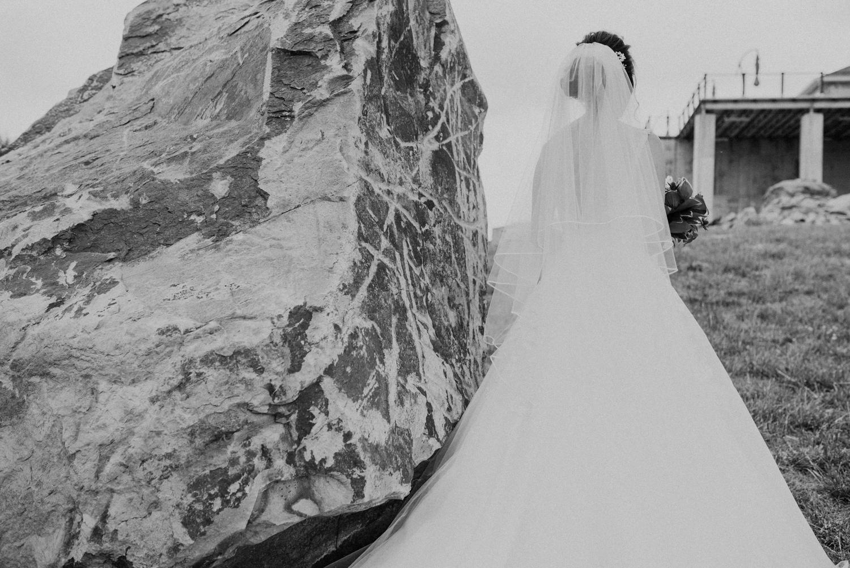 virginia blue valley vineyard and winery wedding -37.jpg