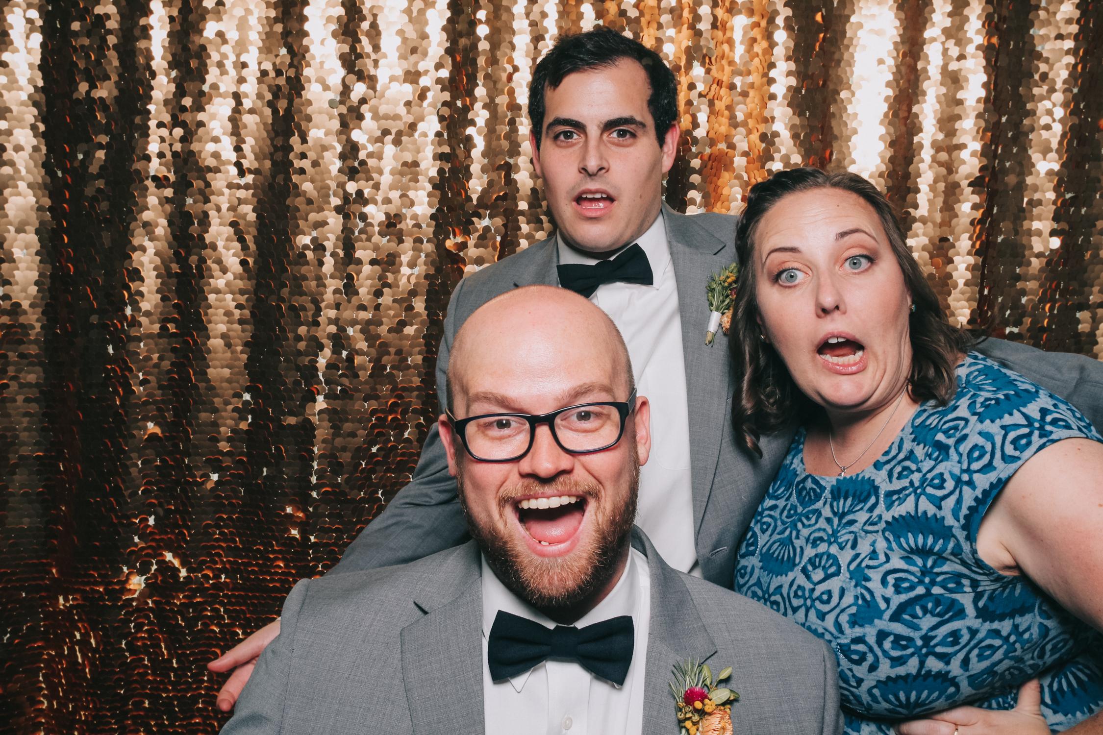 baltimore rusty scupper wedding photo booth-12.jpg