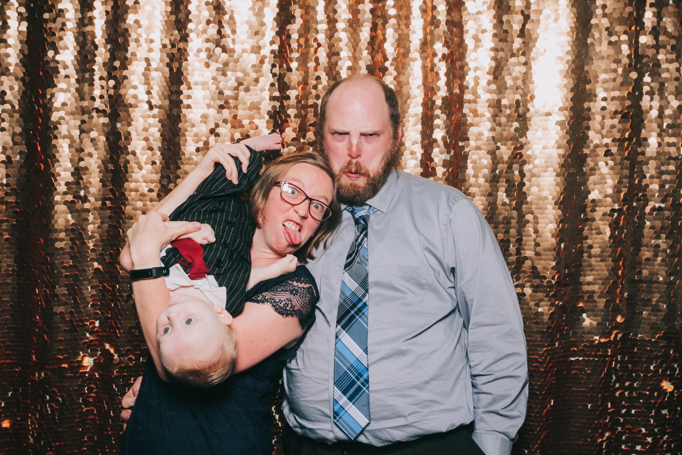 baltimore rusty scupper wedding photo booth-18.jpg