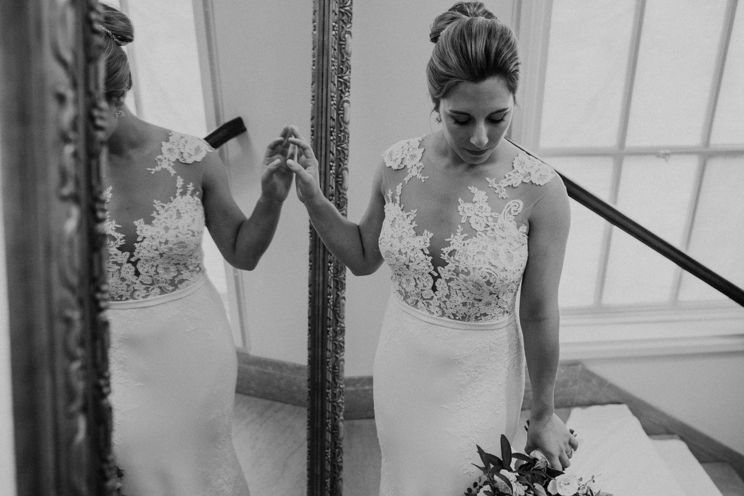 black and white mirror bridal photo at dc line hotel