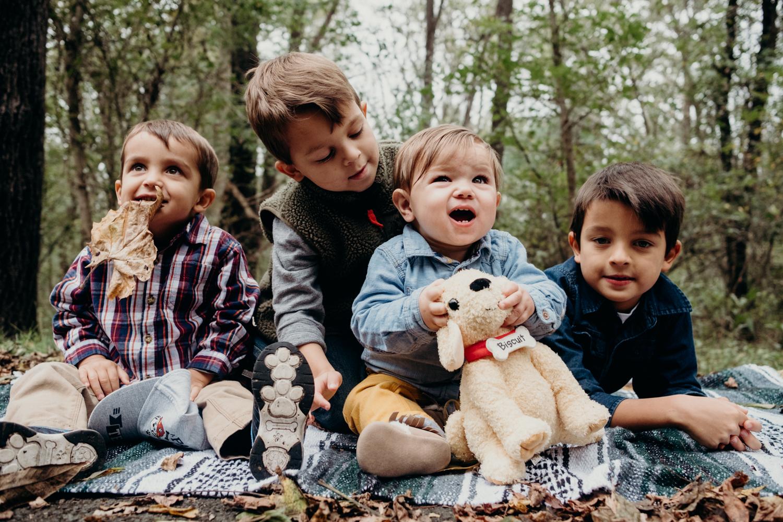 the cousins - family portrait session purcellville