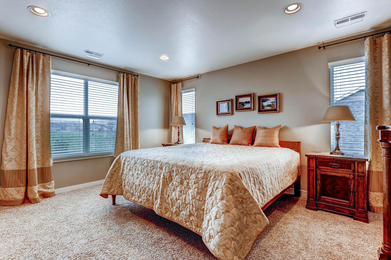 5691-dunraven-golden-co-80403-large-014-13-2nd-floor-master-bedroom-1500x1000-72dpi.jpg