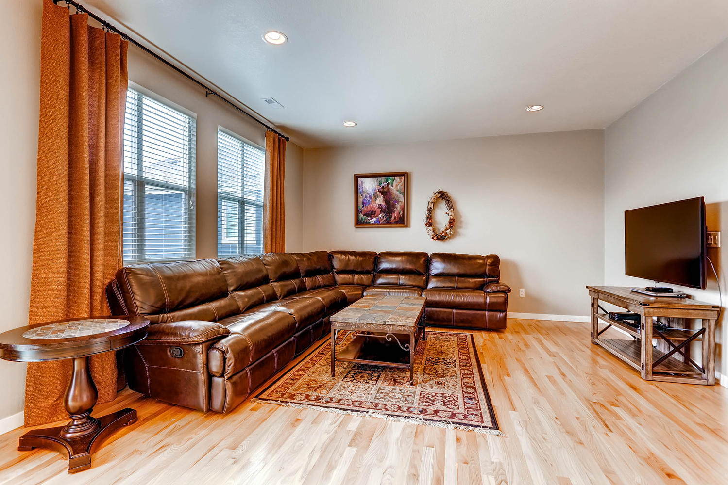 5691-dunraven-golden-co-80403-large-012-26-family-room-1500x1000-72dpi.jpg