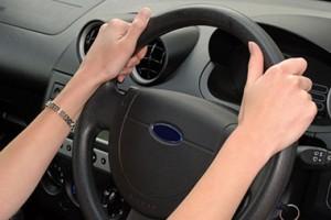 steering_wheel_hands_on