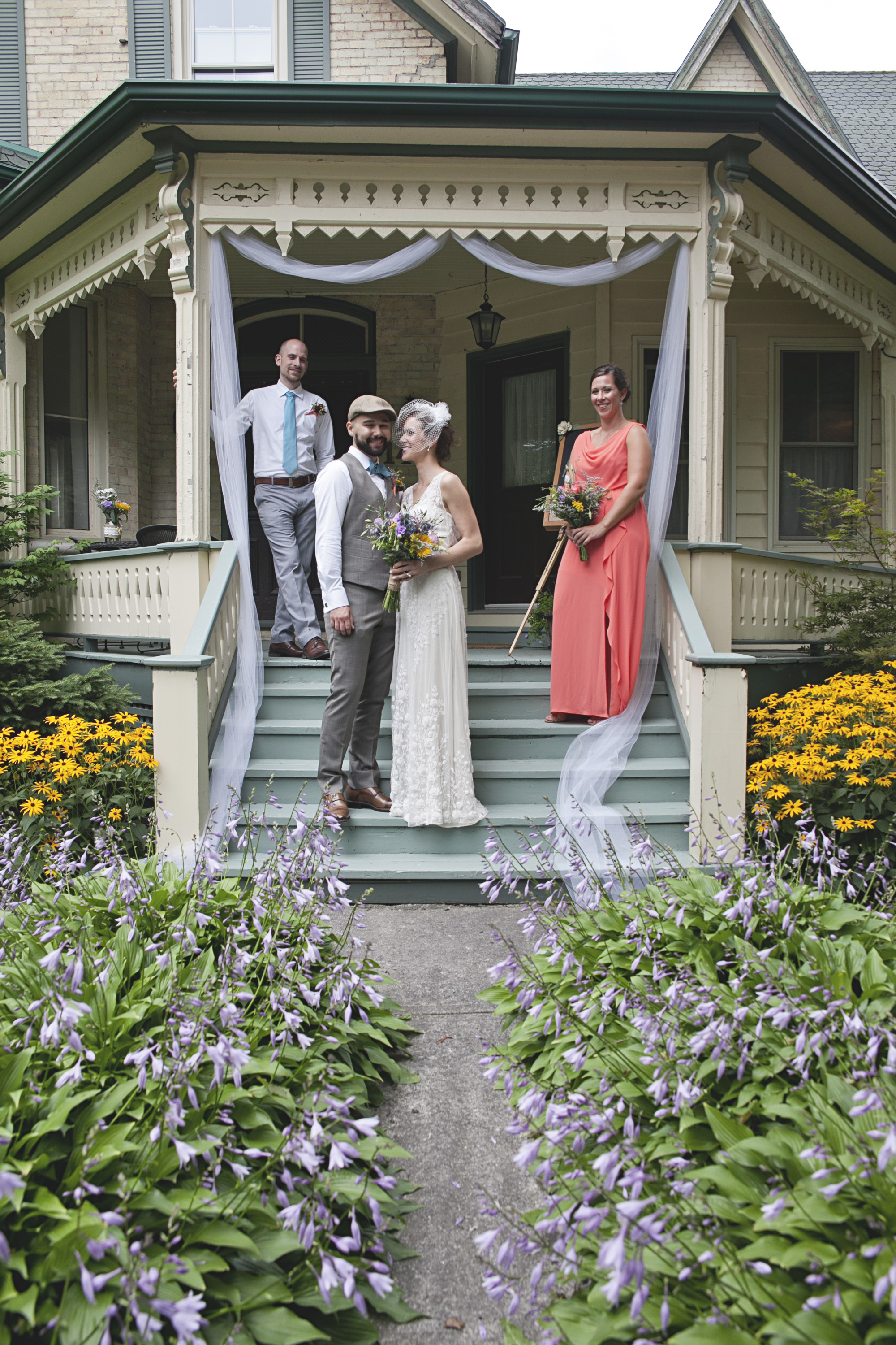Outdoor bridal party photos in Ontario