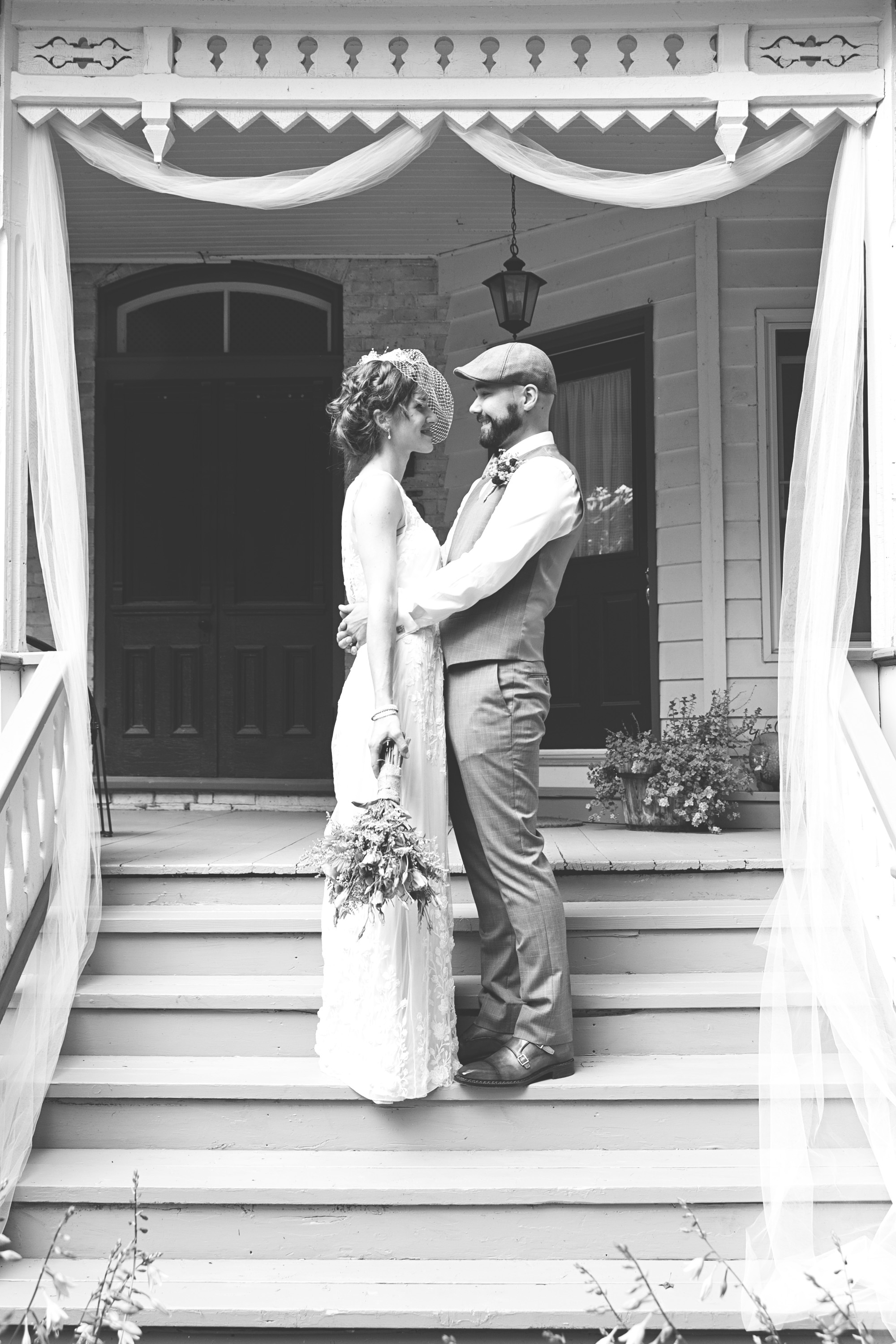 Bride and groom photos in Stratford Ontario