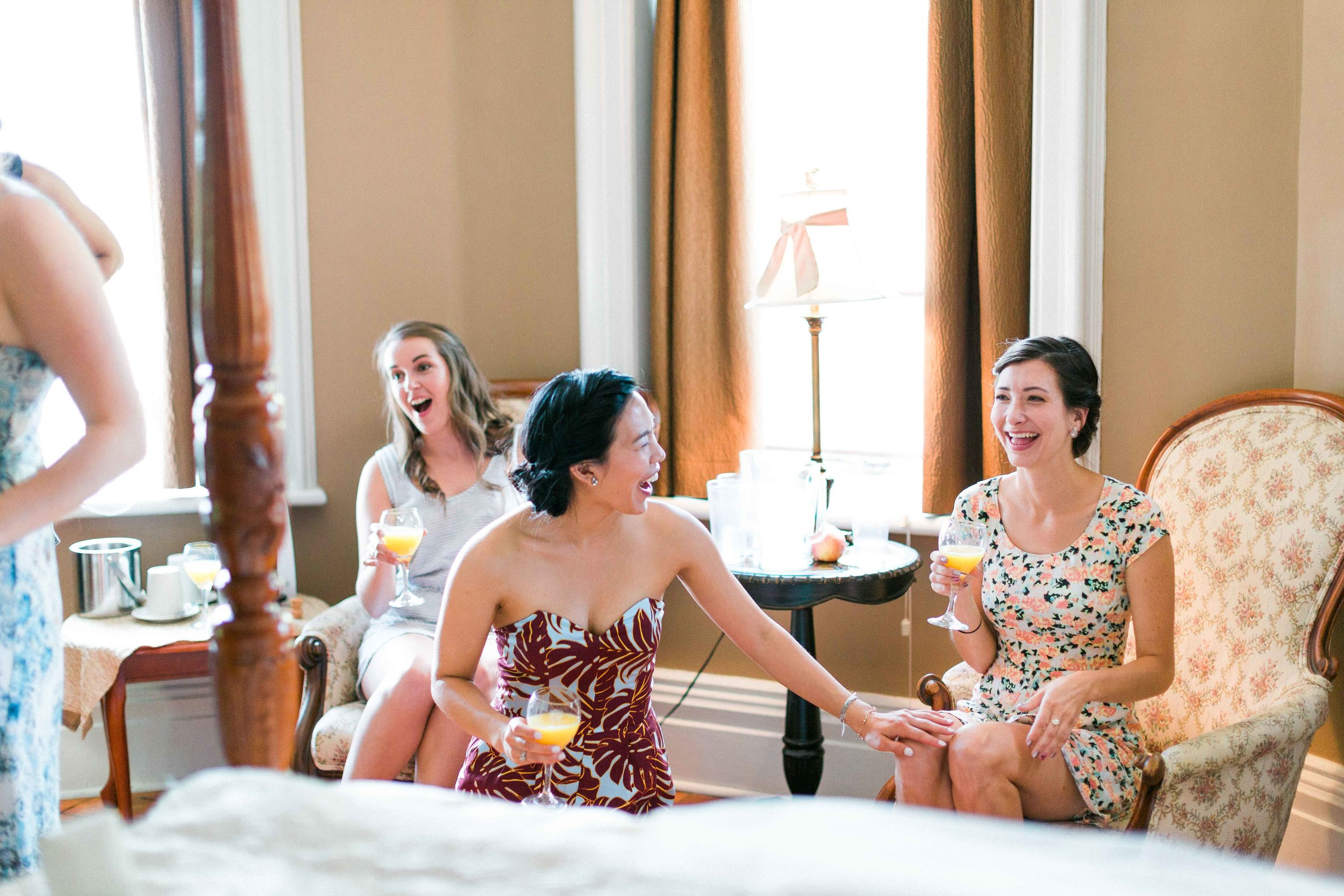 Bridesmaids getting ready at the Breadalbane Inn in Ontario