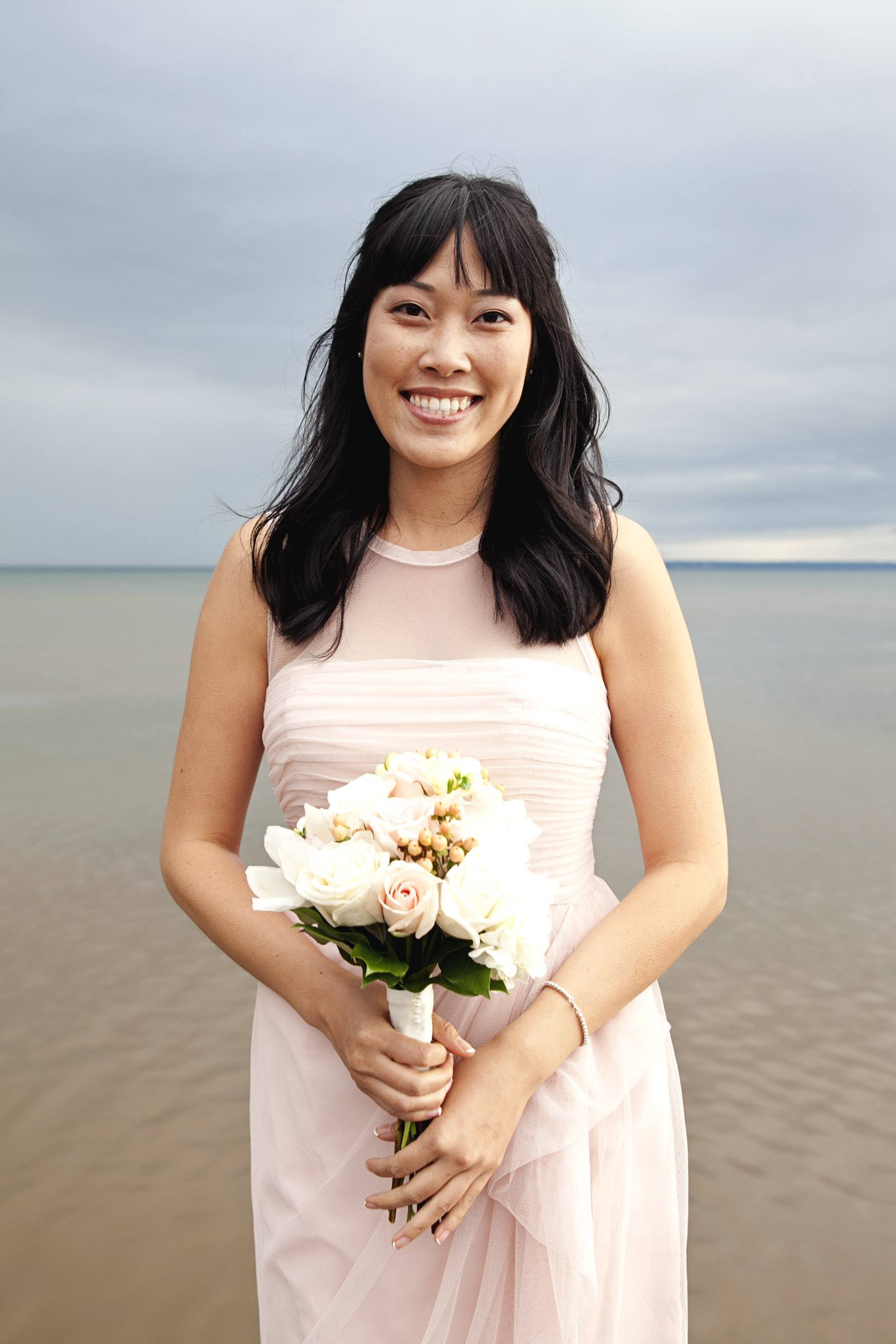 Bridal photos done at Oakville Lakeshore in Ontario
