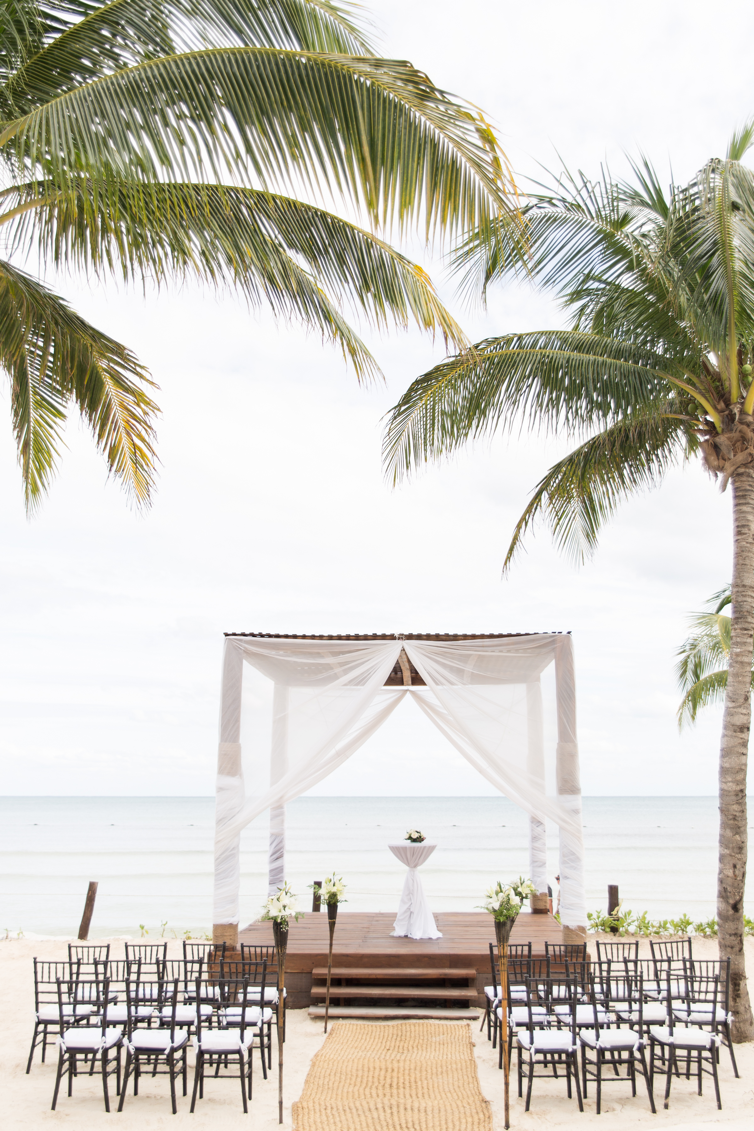 beach ceremony in playa del carmen