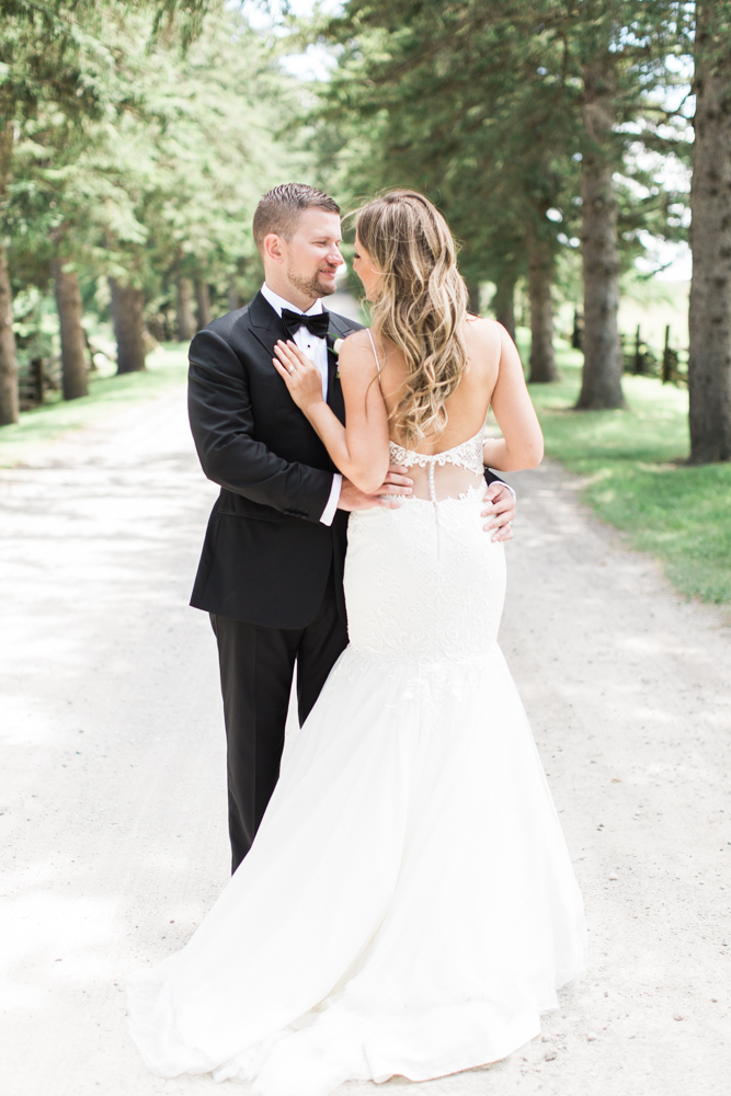 wedding photos at scotsdale farm, ontario