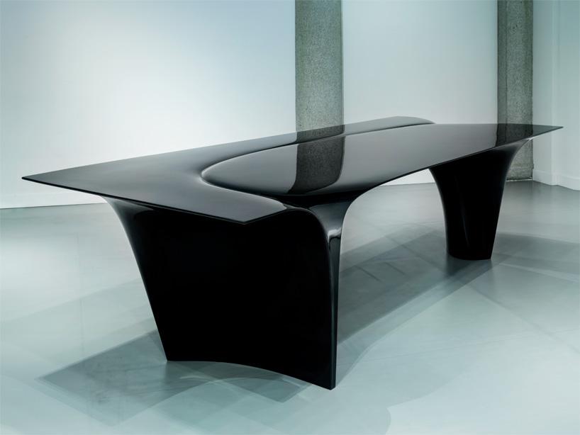 zaha-hadid-sawaya-moroni-mew-table-designboom-08.jpg