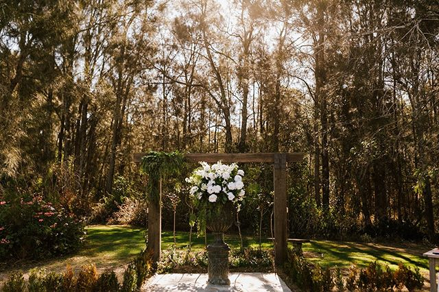 Kiera & Daniel ✨ To see more from this beautiful wedding, visit our blog via the link in our bio ✨⠀⠀⠀⠀⠀⠀⠀⠀⠀⠀ .⠀⠀⠀⠀⠀⠀⠀⠀⠀ .⠀⠀⠀⠀⠀⠀⠀⠀⠀ Florals & Styling: @peoniesboutiqueweddings • Ceremony & Reception Venue: @circa1876 • Photography: @gezxaviermansfieldphotography • Officiant: @montykingcelebrant • Make-Up: @helensotismakeupartist • Hair Stylist: @reneewalkom • Cake: @michellethecakechef