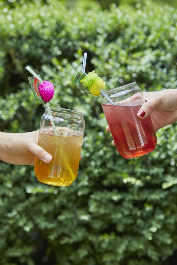 Oolong Tea and Lychee Black Tea. ©Junzi Kitchen 乌龙茶与荔枝冷泡茶 ©君子食堂