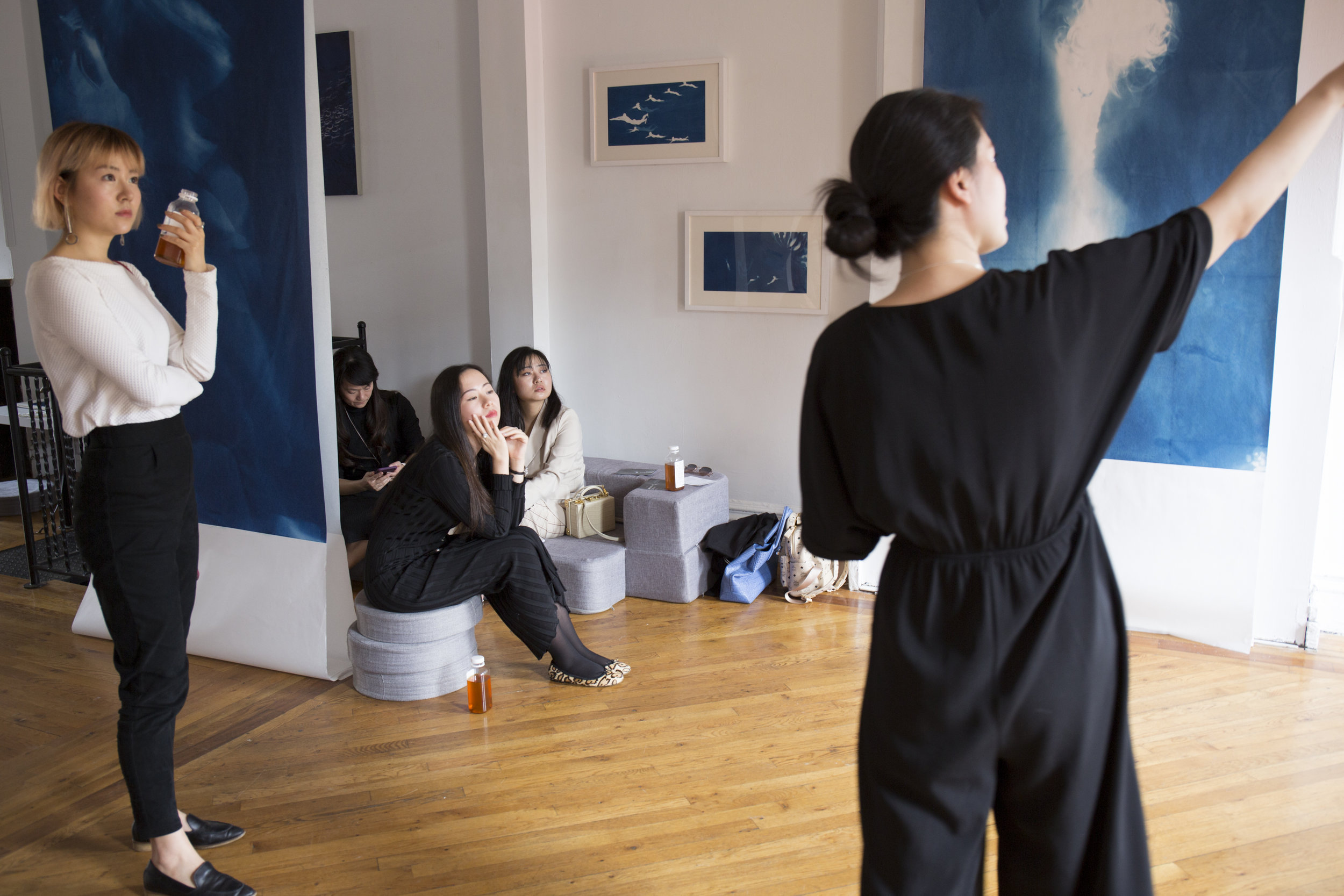 Tracking the White Shadow Performance, photographed by Alice Luo, courtesy Fou Gallery.