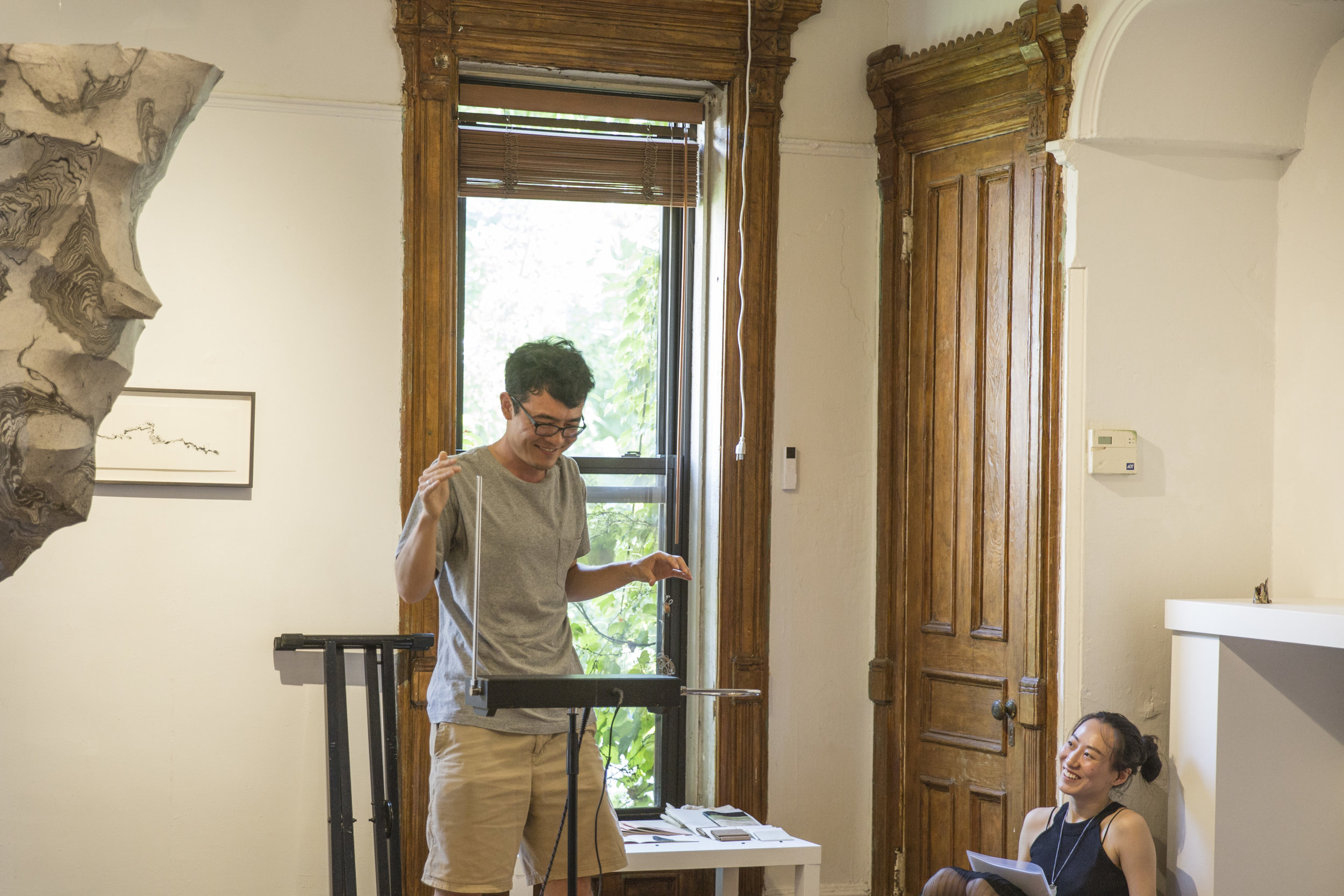 Theremin concert performed by Rafael Carrasquillo, photograph by Jingyao Huang, courtesy Fou Gallery.