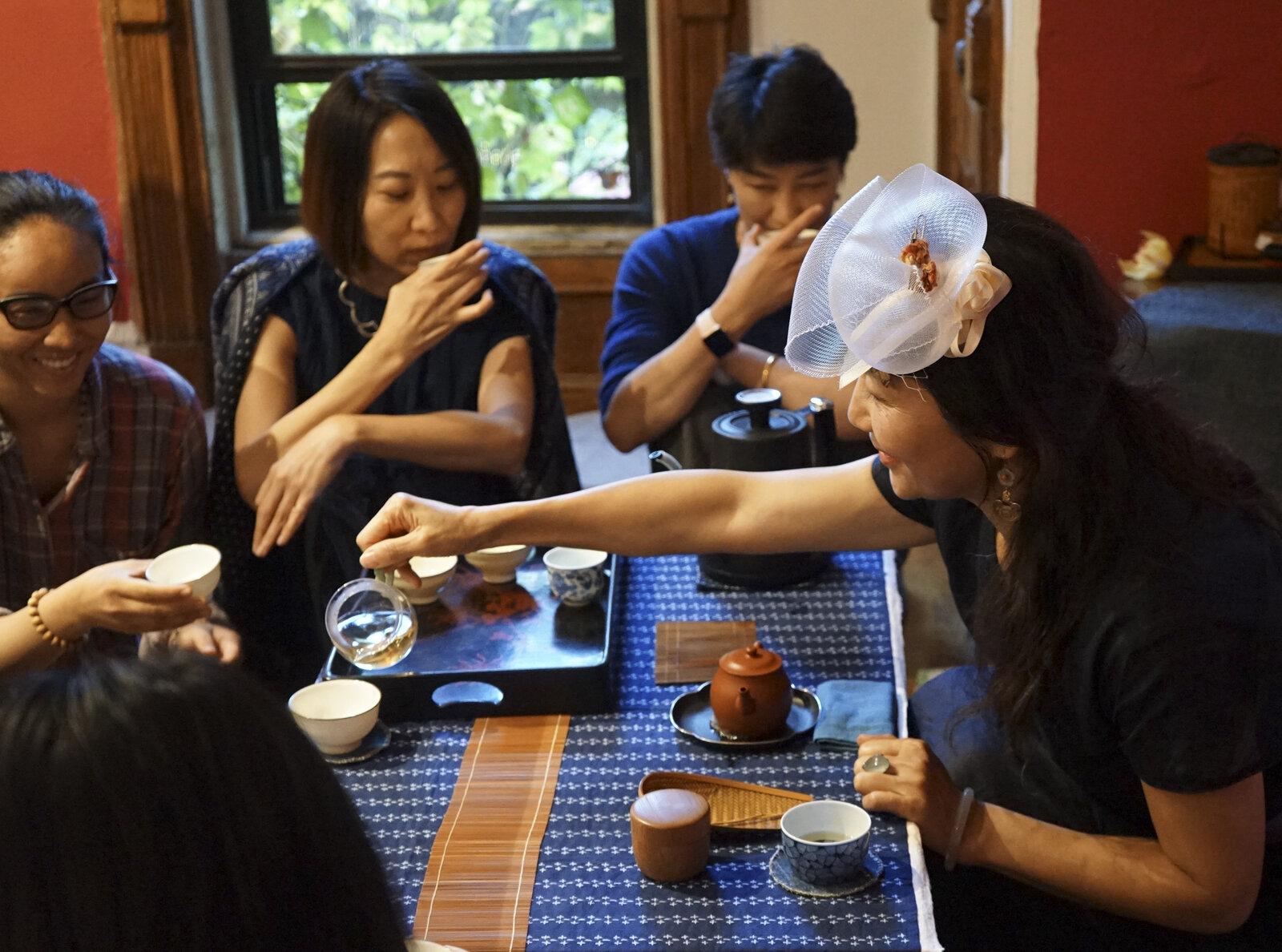 Ikebana and Tea Ceremony at Present , photo by Yilan Wang, Courtesy Fou Gallery.