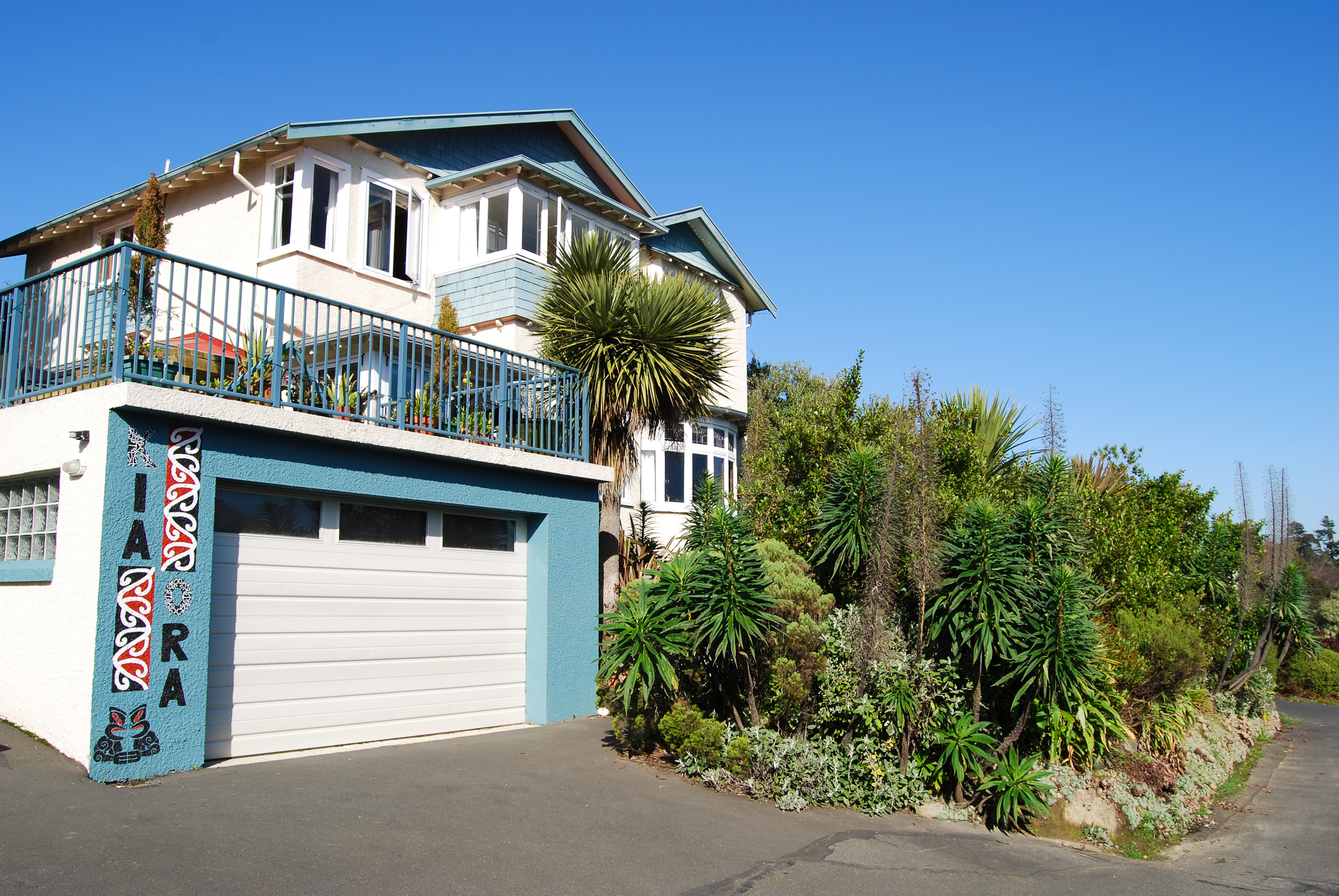 Arden Street House overlooking Dunedin and North East Valley