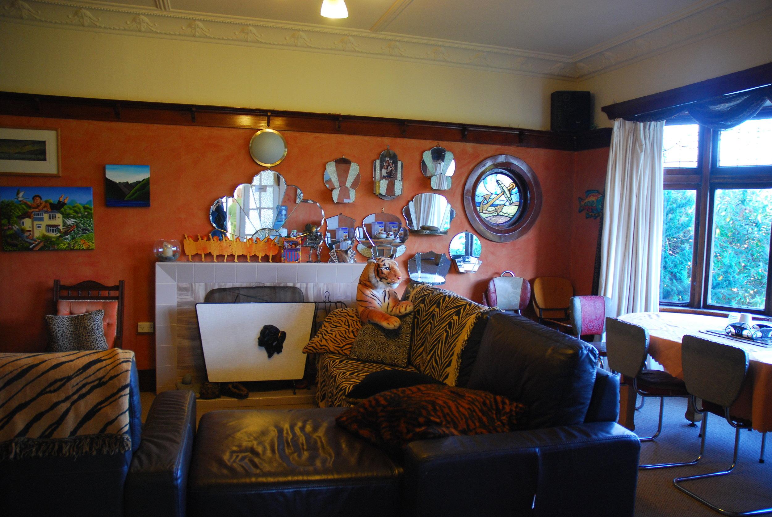 Guest Lounge.jpg